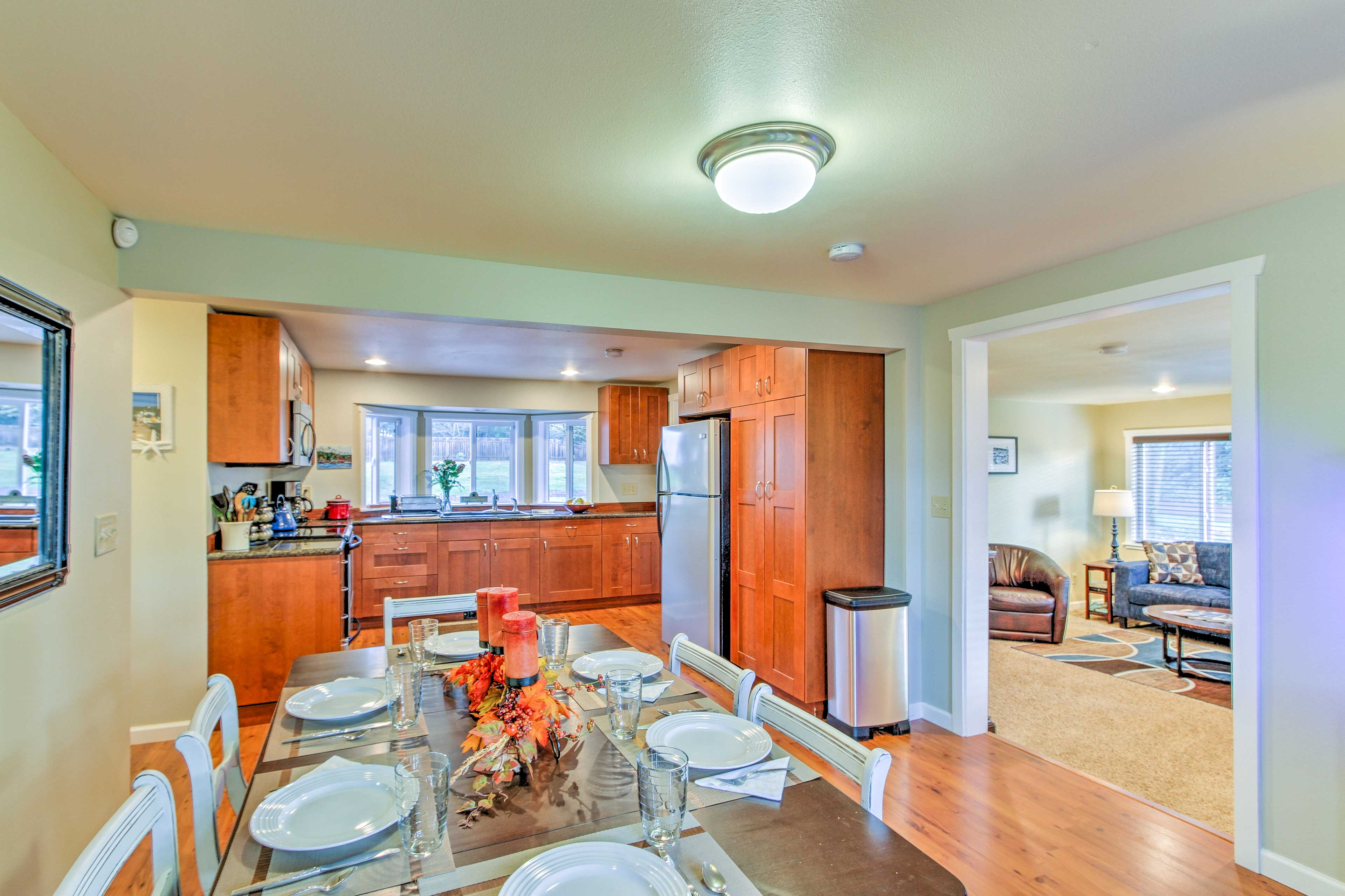 Up to 6 guests can spread out in 1,400 square feet of living space.