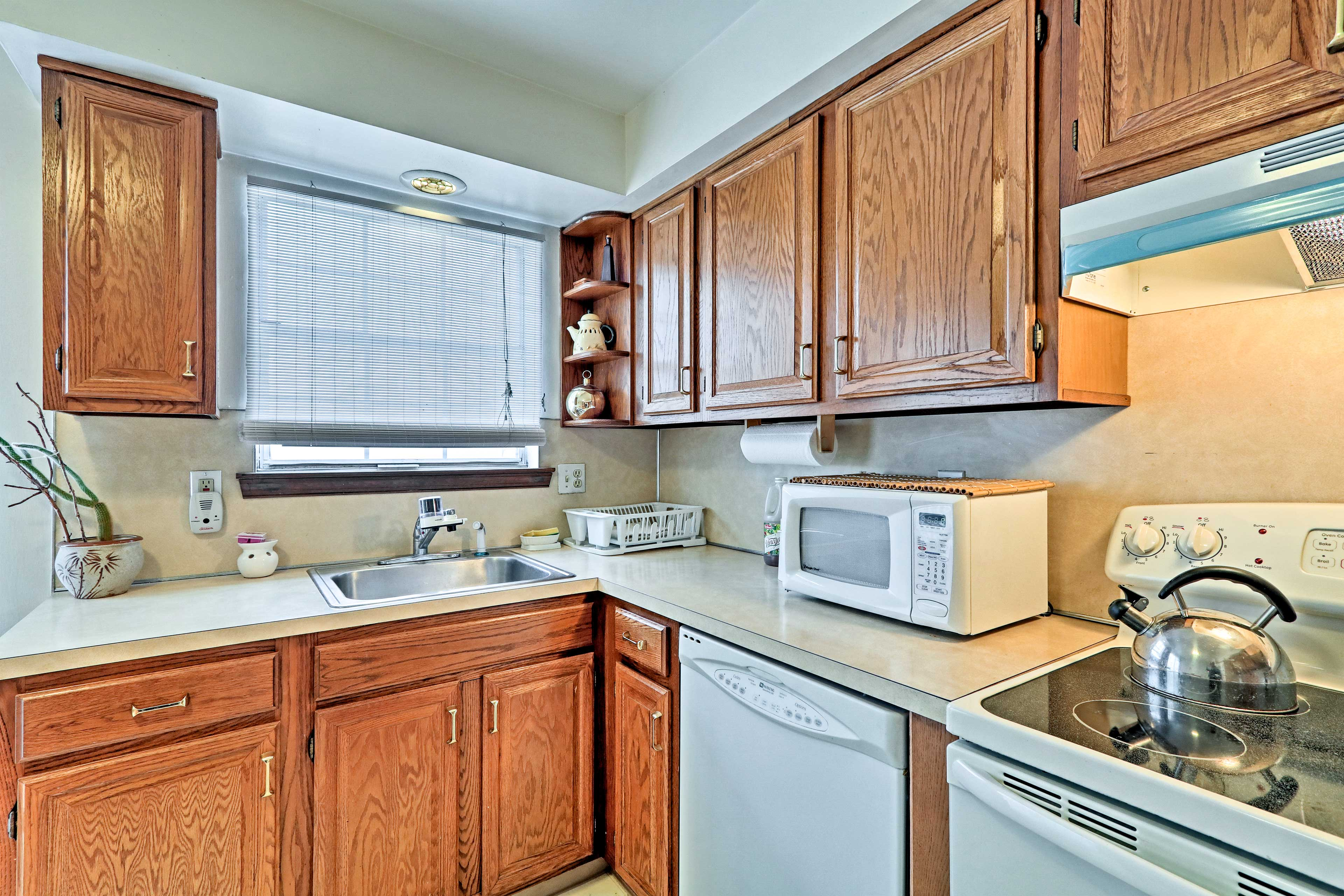 You'll have all the essential cooking appliances and utensils.