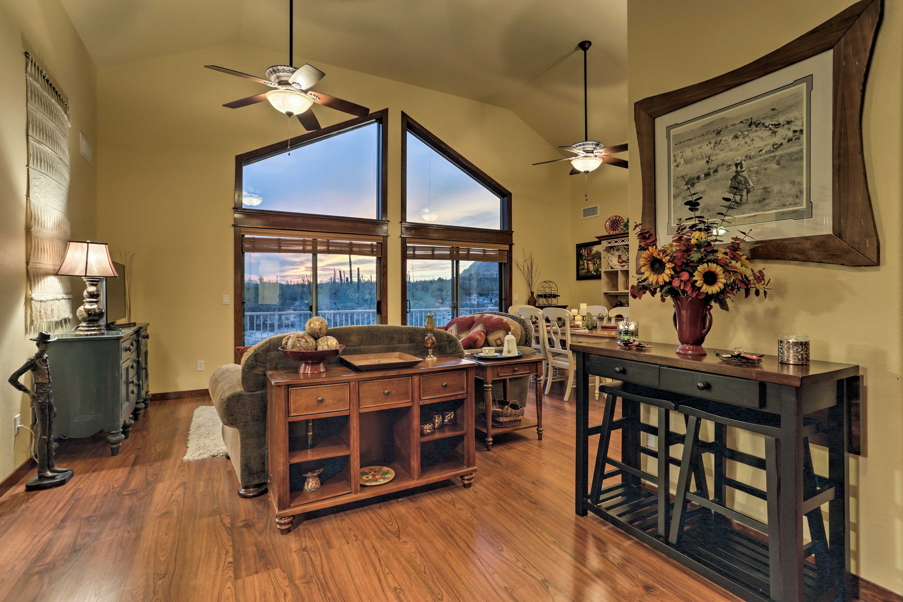 Everyone can relax comfortably in the 1,250 square feet of living space.