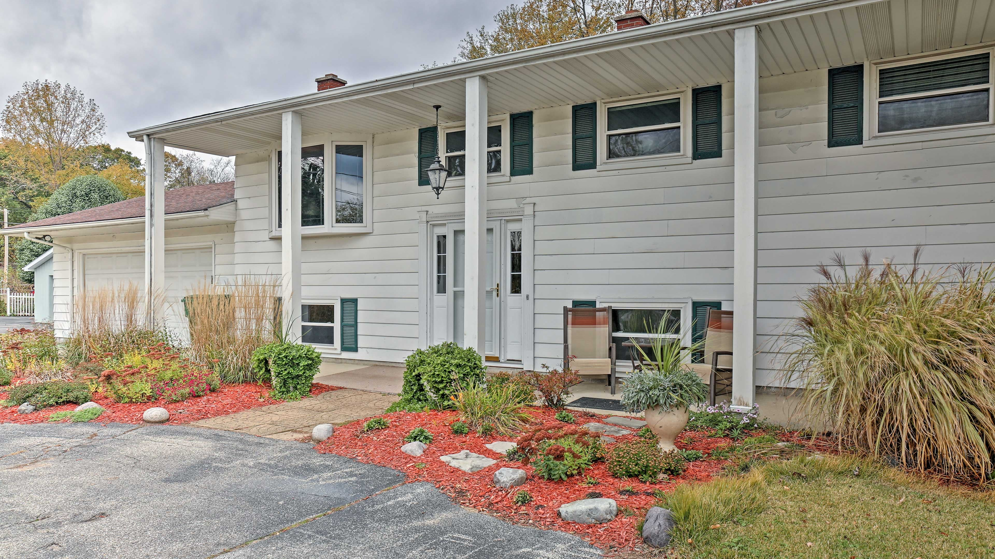 This 4-bed, 3.5-bath vacation rental home is surrounded by beautiful scenery.