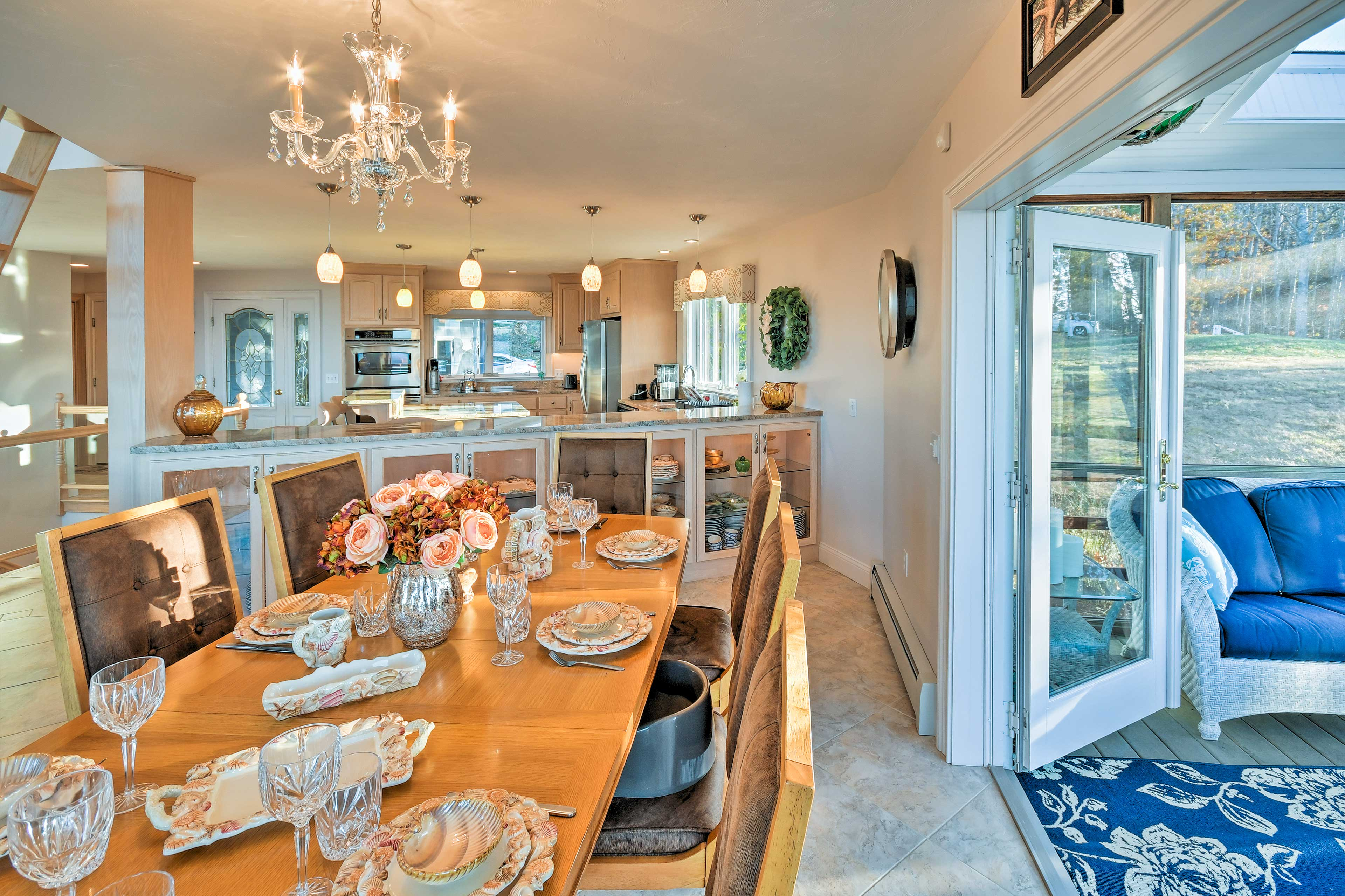 Treat the family to a world-class feast around the 8-person dining table.