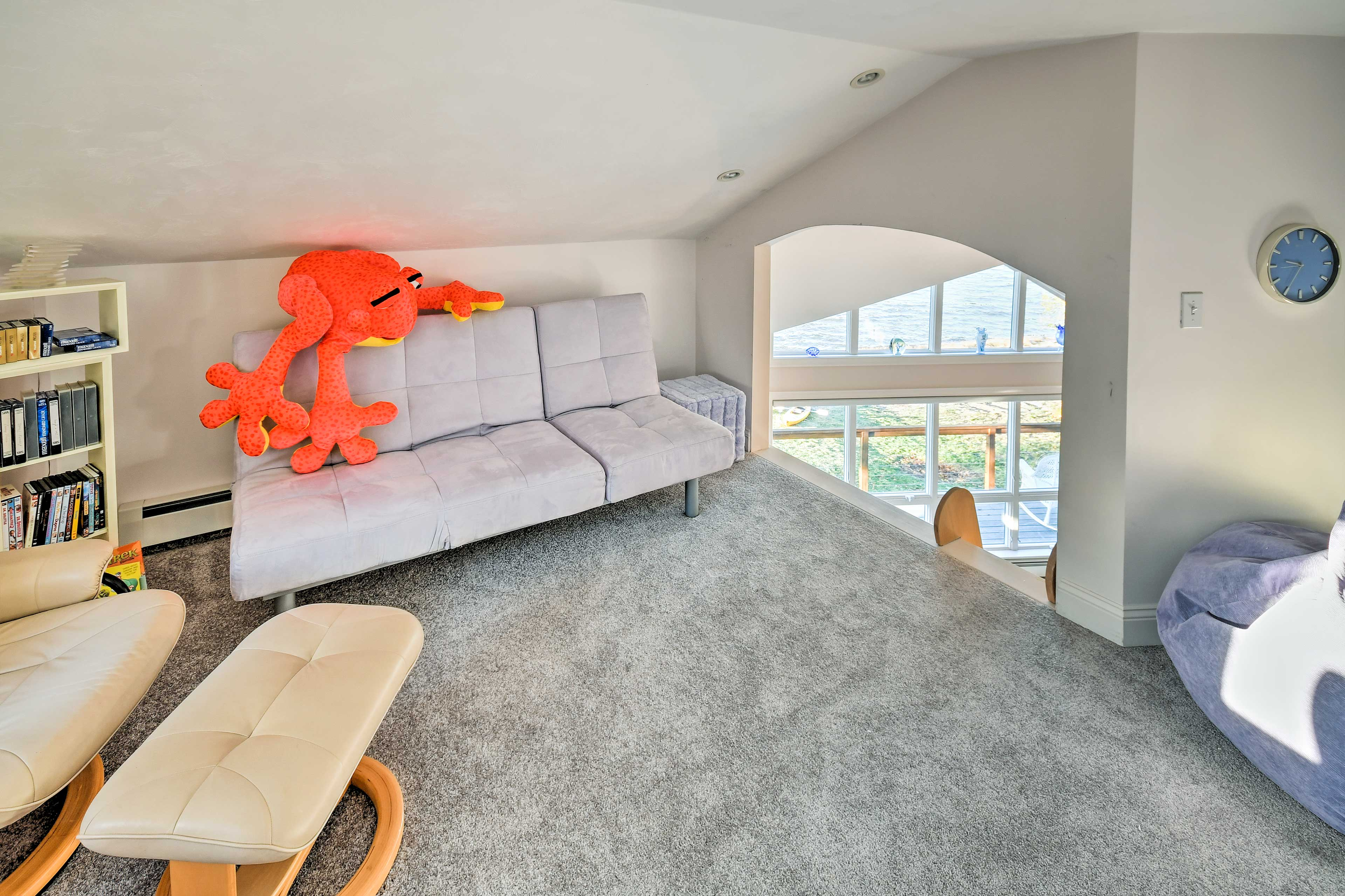 The loft features ample seating along with 2 futons.