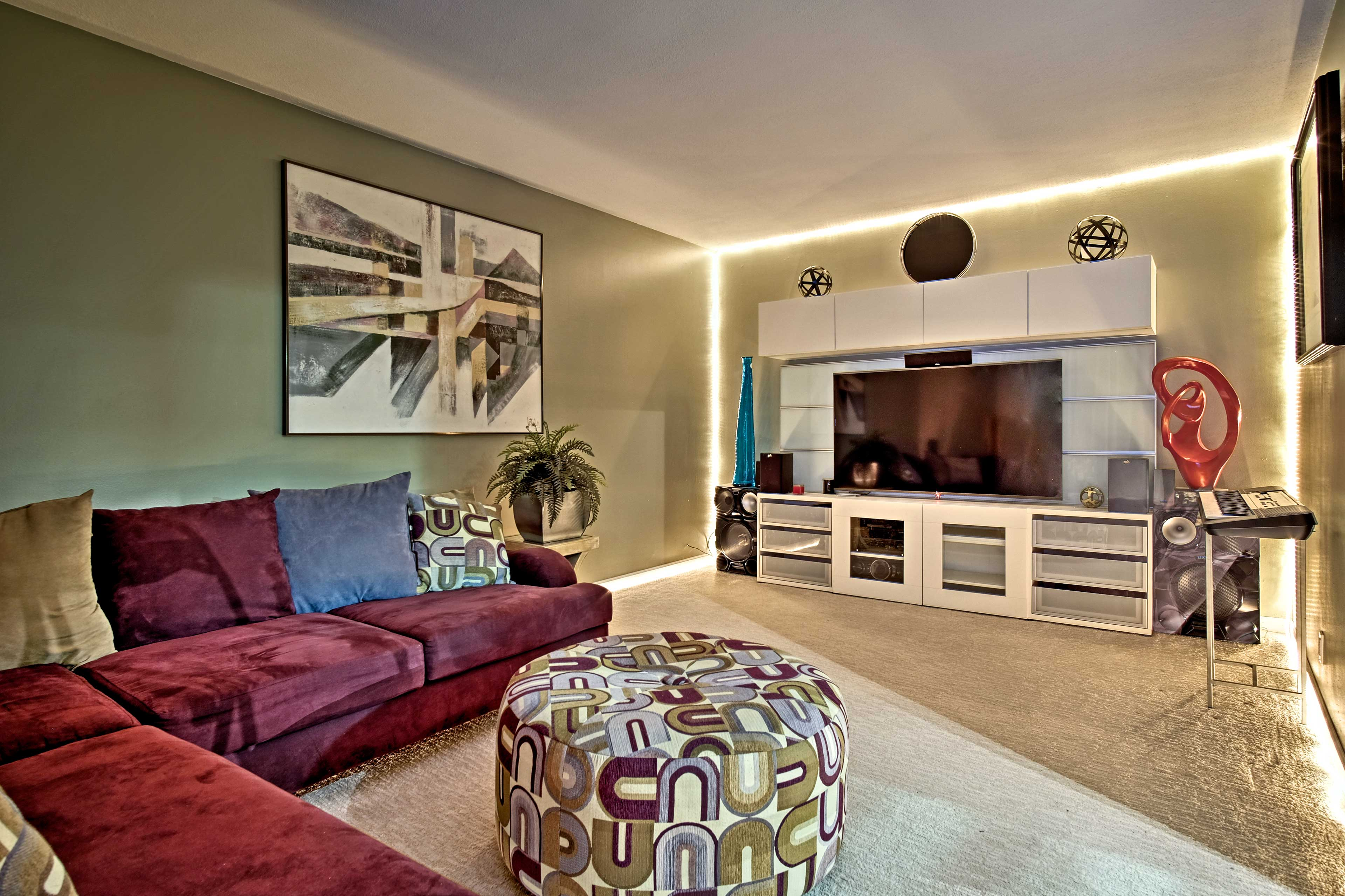 Located in Southfield, this vacation rental is just a short drive to Detroit!