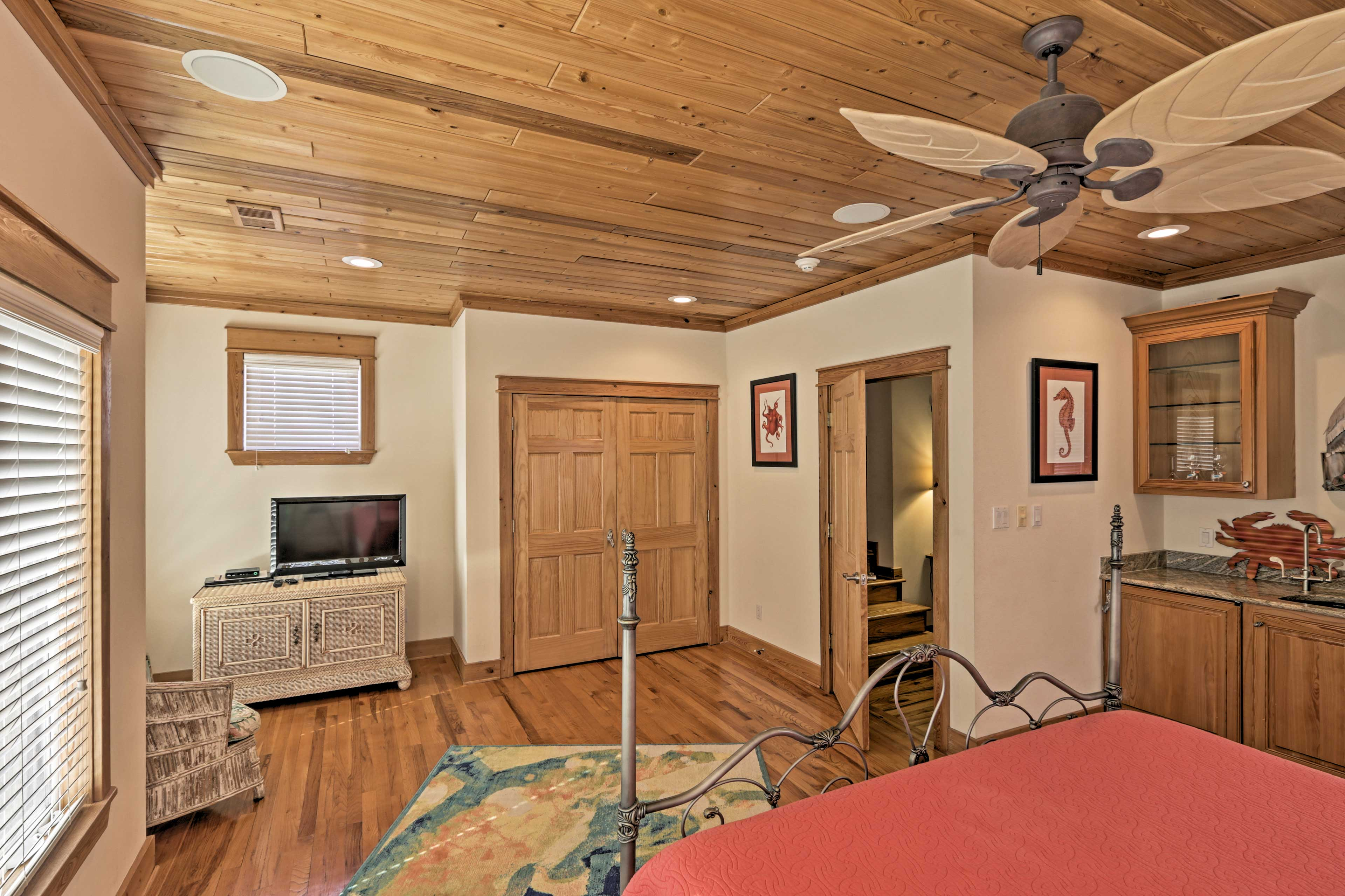 All 3 rooms come complete with flat-screen cable/Smart TVs and en-suite bathrooms.