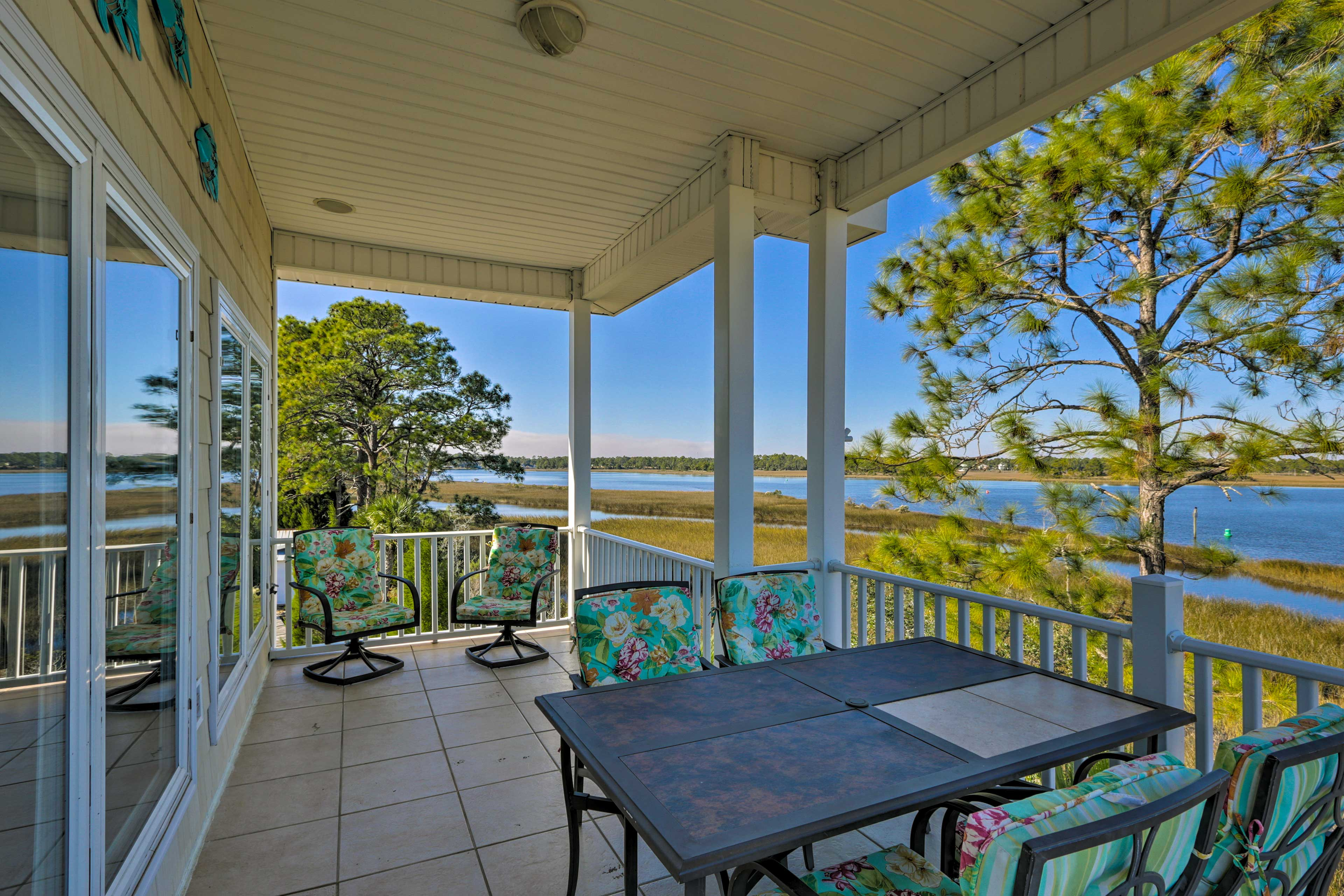 Experience the Sunshine State in luxury from this Carrabelle vacation rental house!
