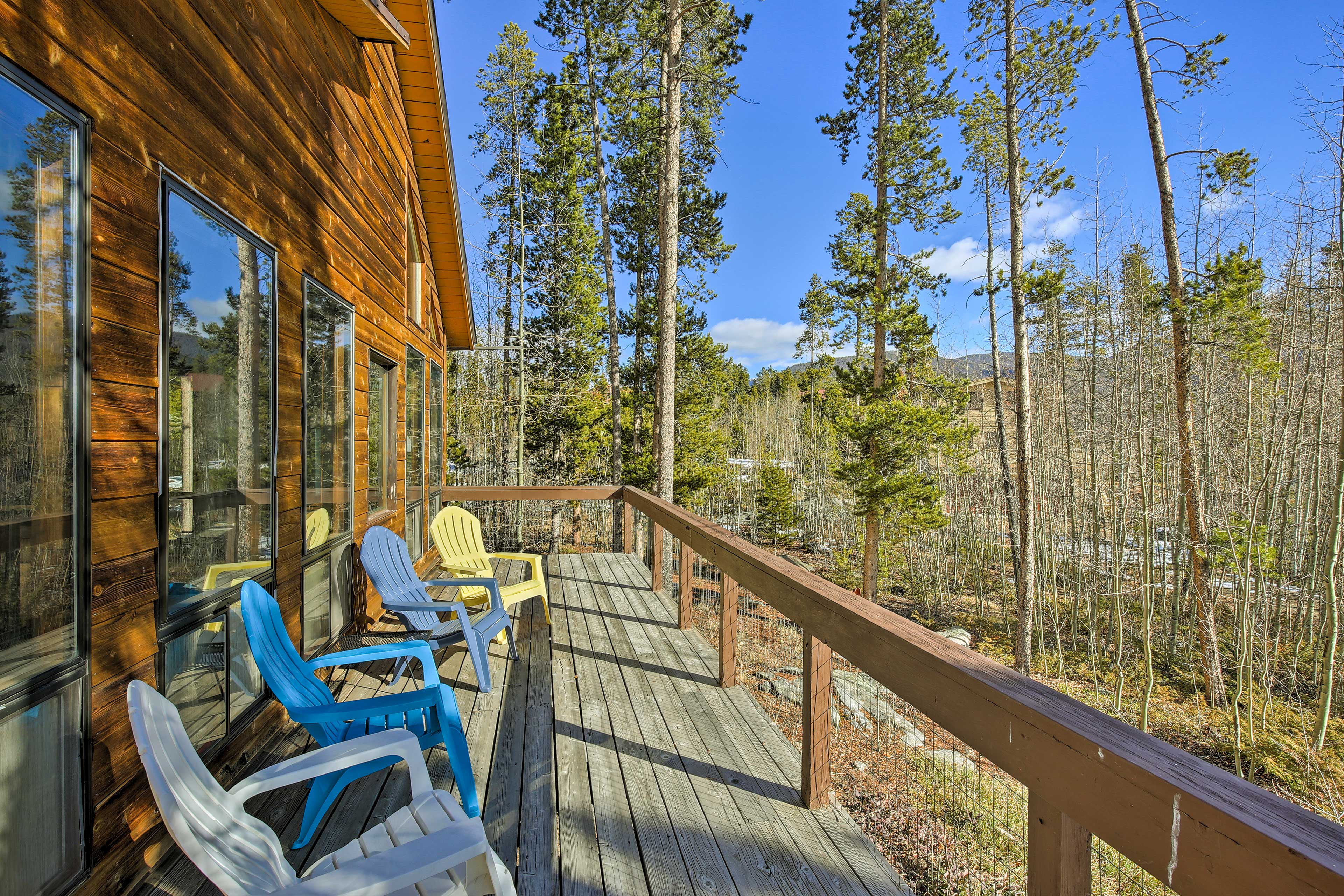 Discover your Grand Lake home base at this beautiful vacation rental home!