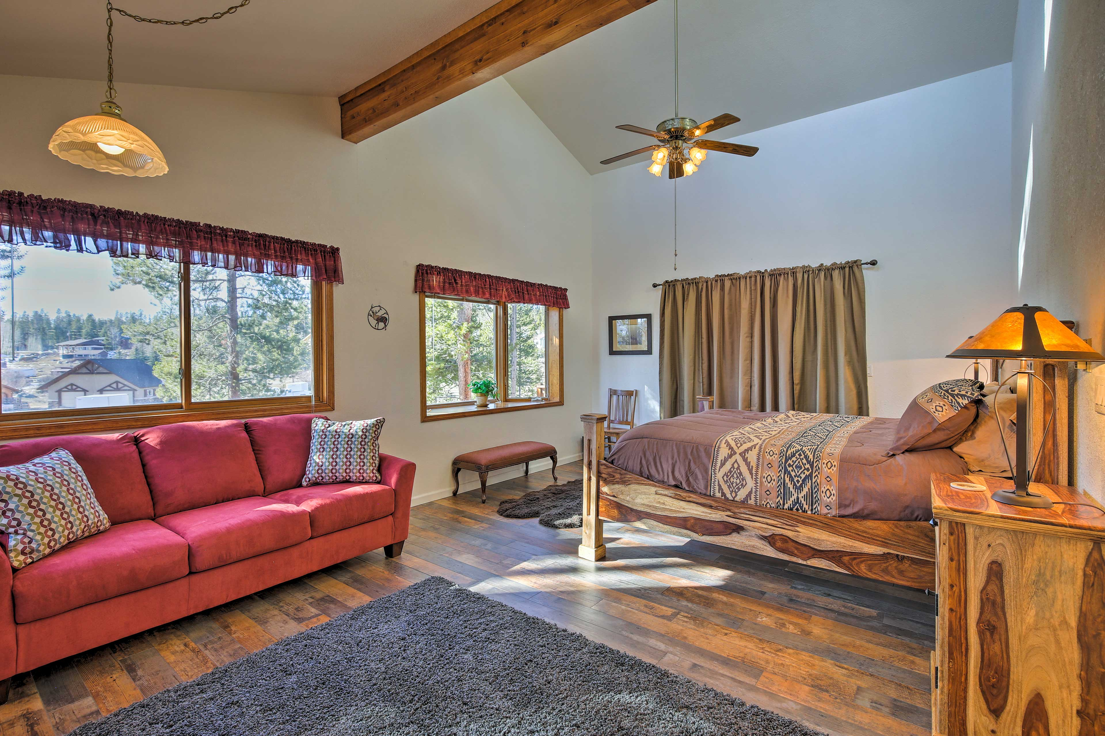 The master bedroom also hosts a pullout bed to accommodate 2 guests.