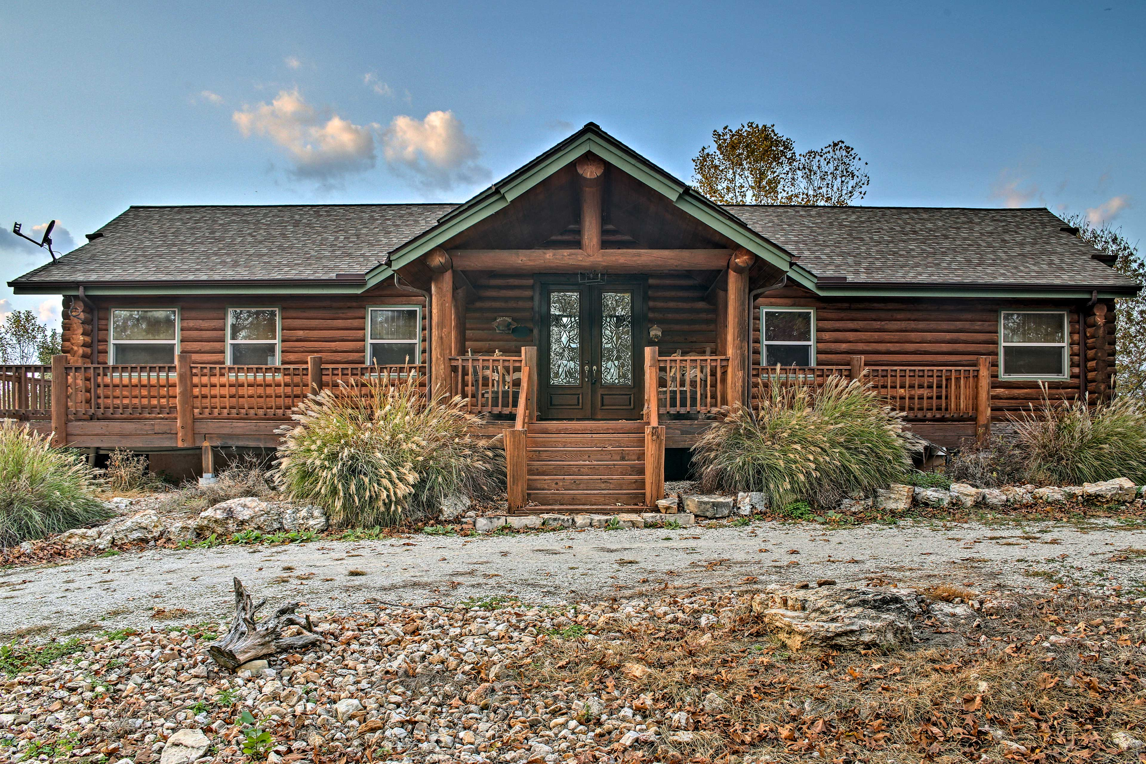 Get away to Table Rock Lake at this 4BR, 2.5-bath vacation rental cabin.