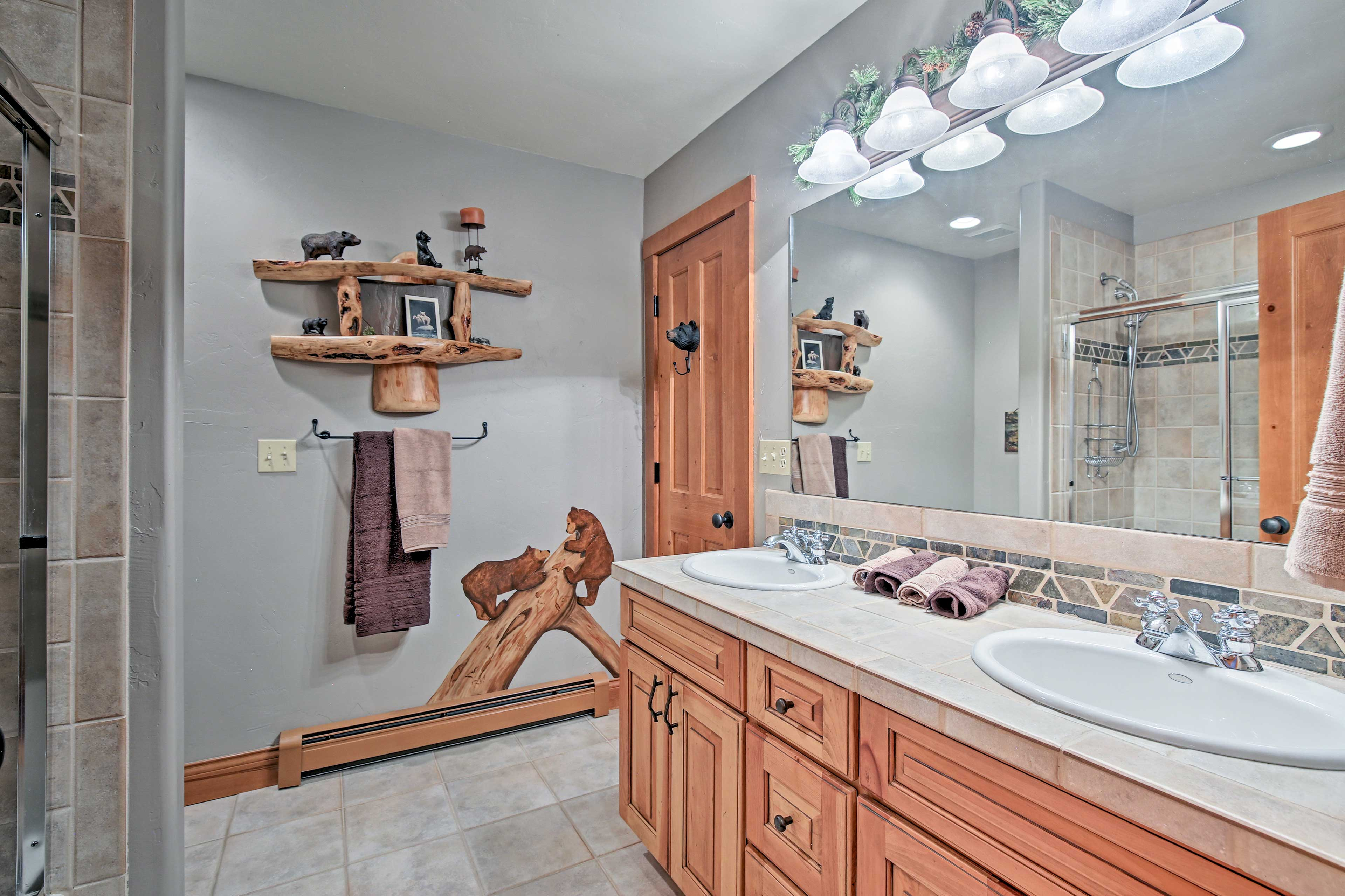 Wash up after dinner in this full bath.