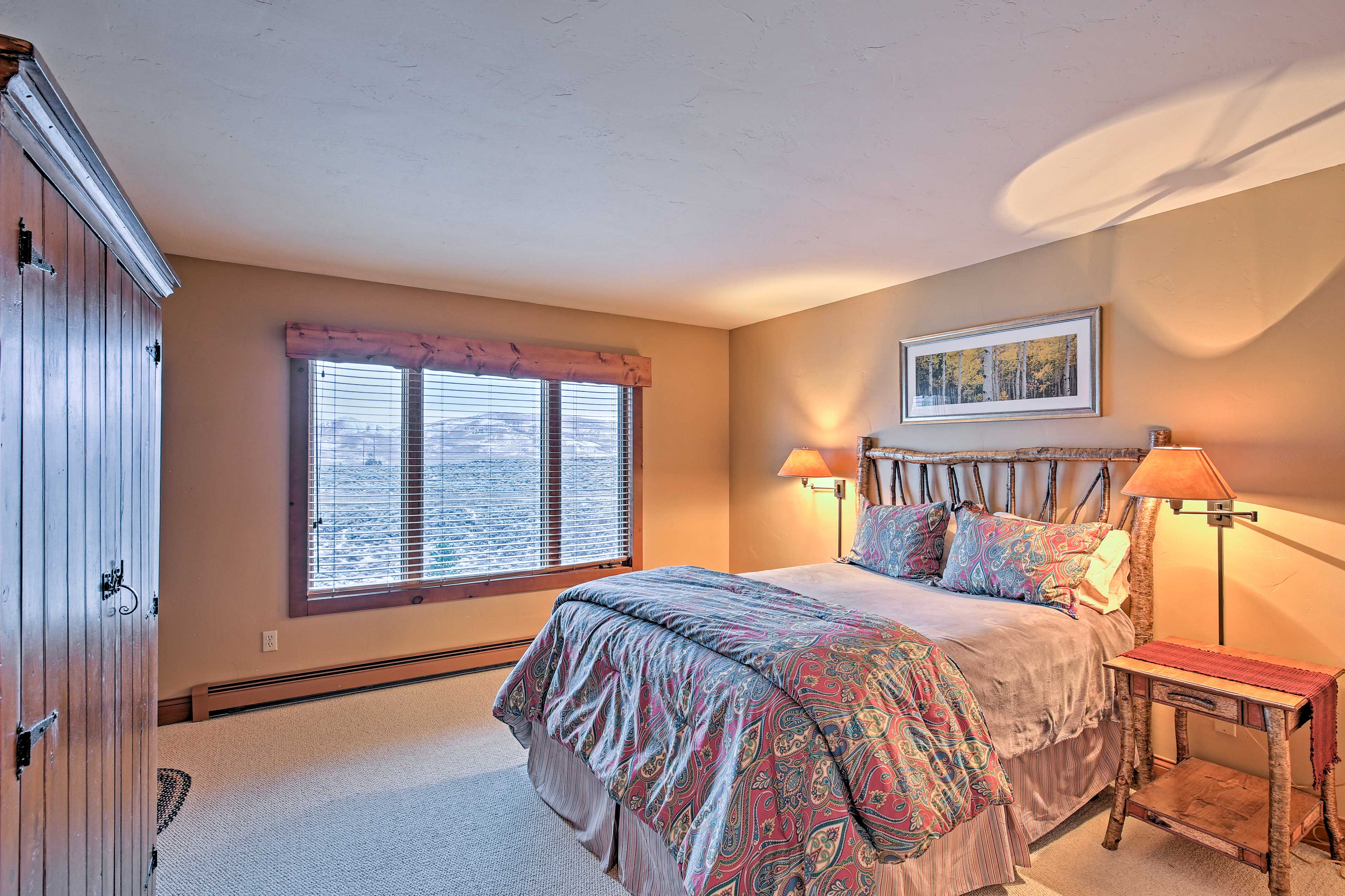 Four out of 5 bedrooms include a queen bed!