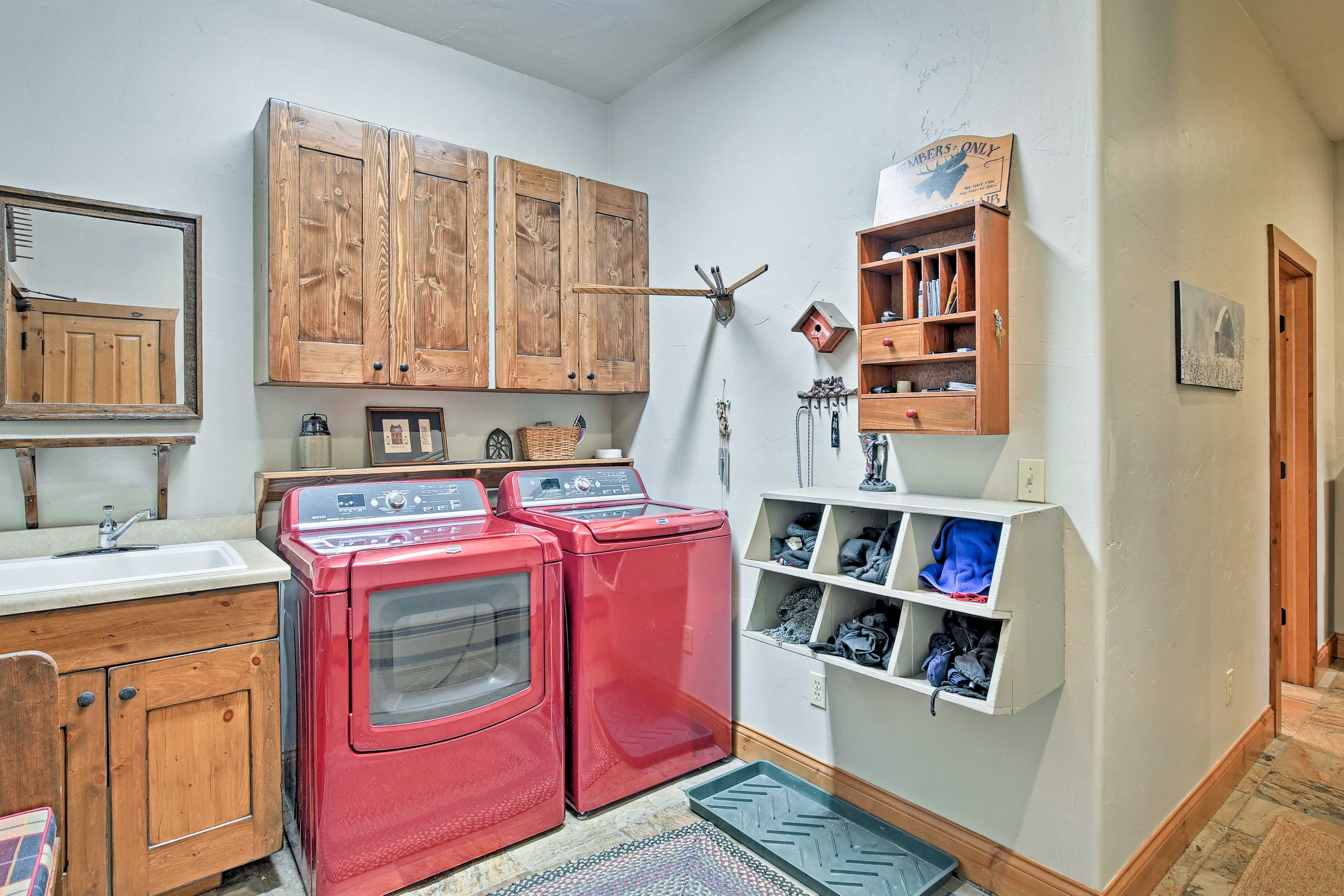 Storage for ski equipment is available in the laundry room.