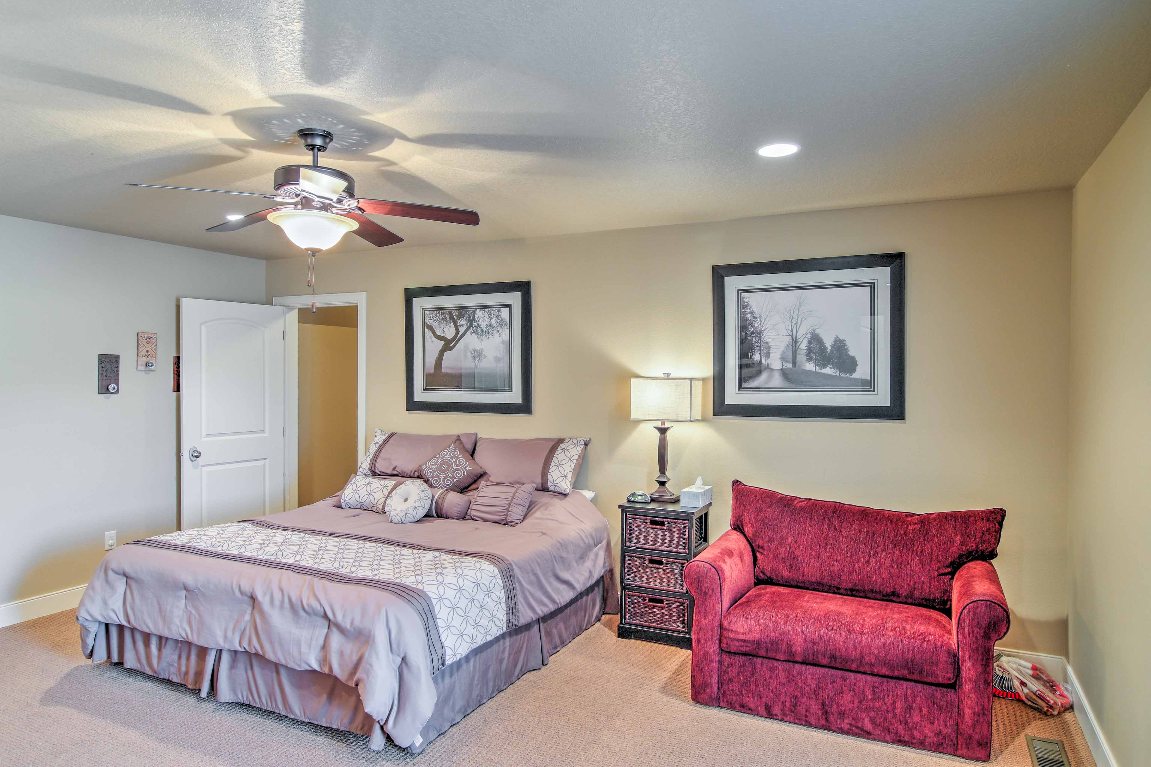 In the third bedroom you'll find a king bed and pullout bed.