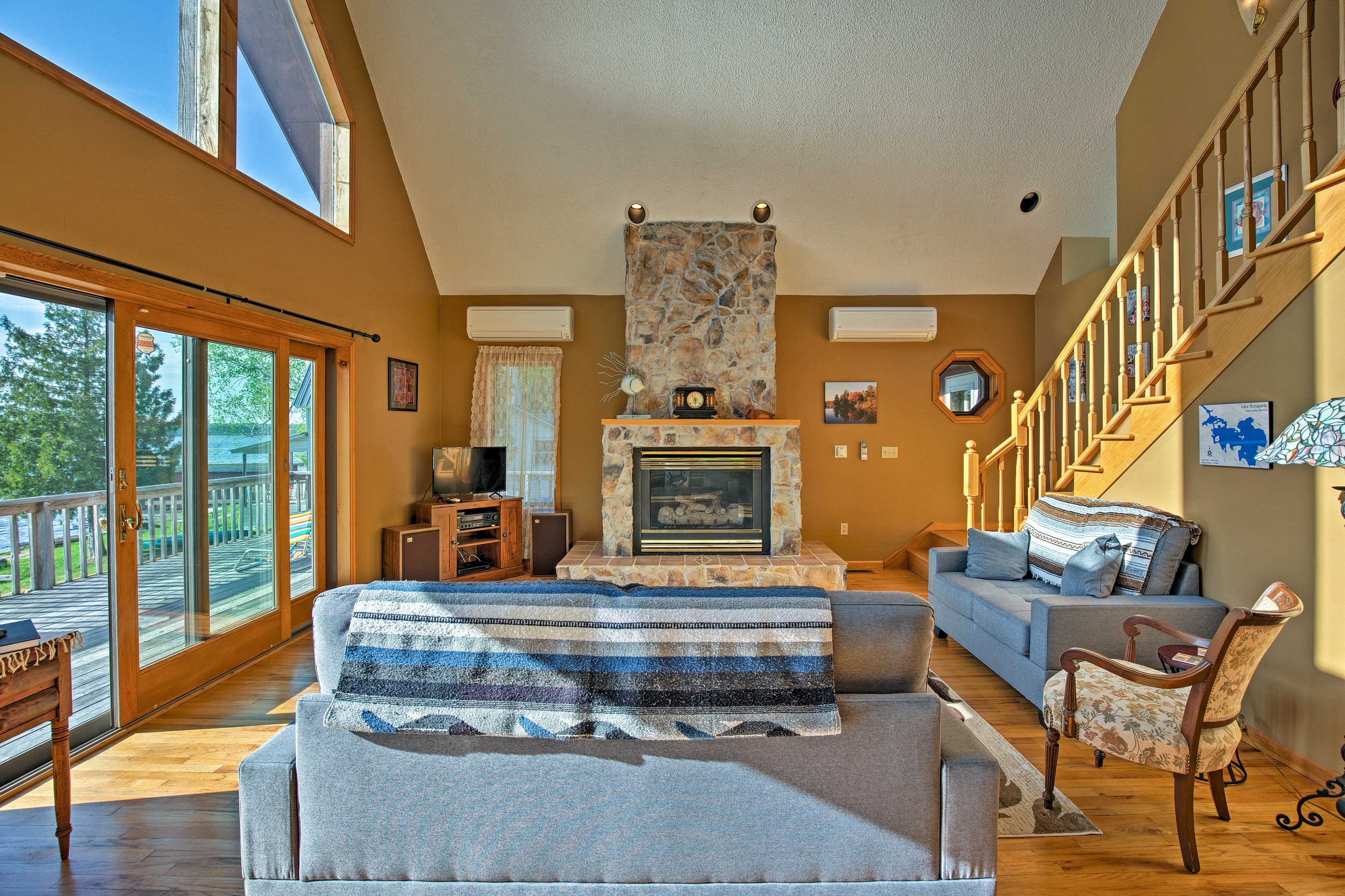 Turn on the gas fireplace, grab a seat on the sofas, and enjoy the views!