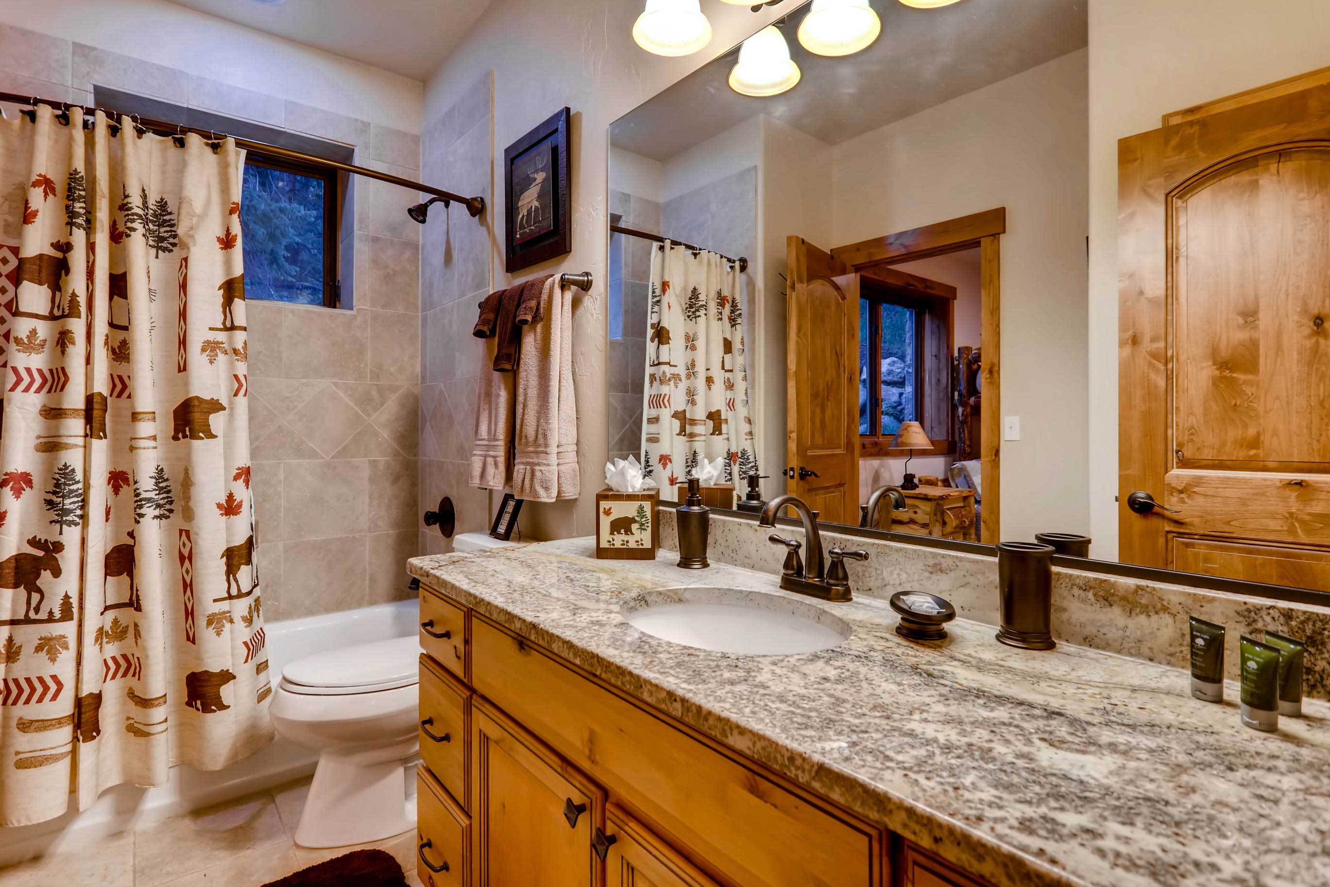 With 4 full bathrooms, you and your loved ones will have plenty of privacy.