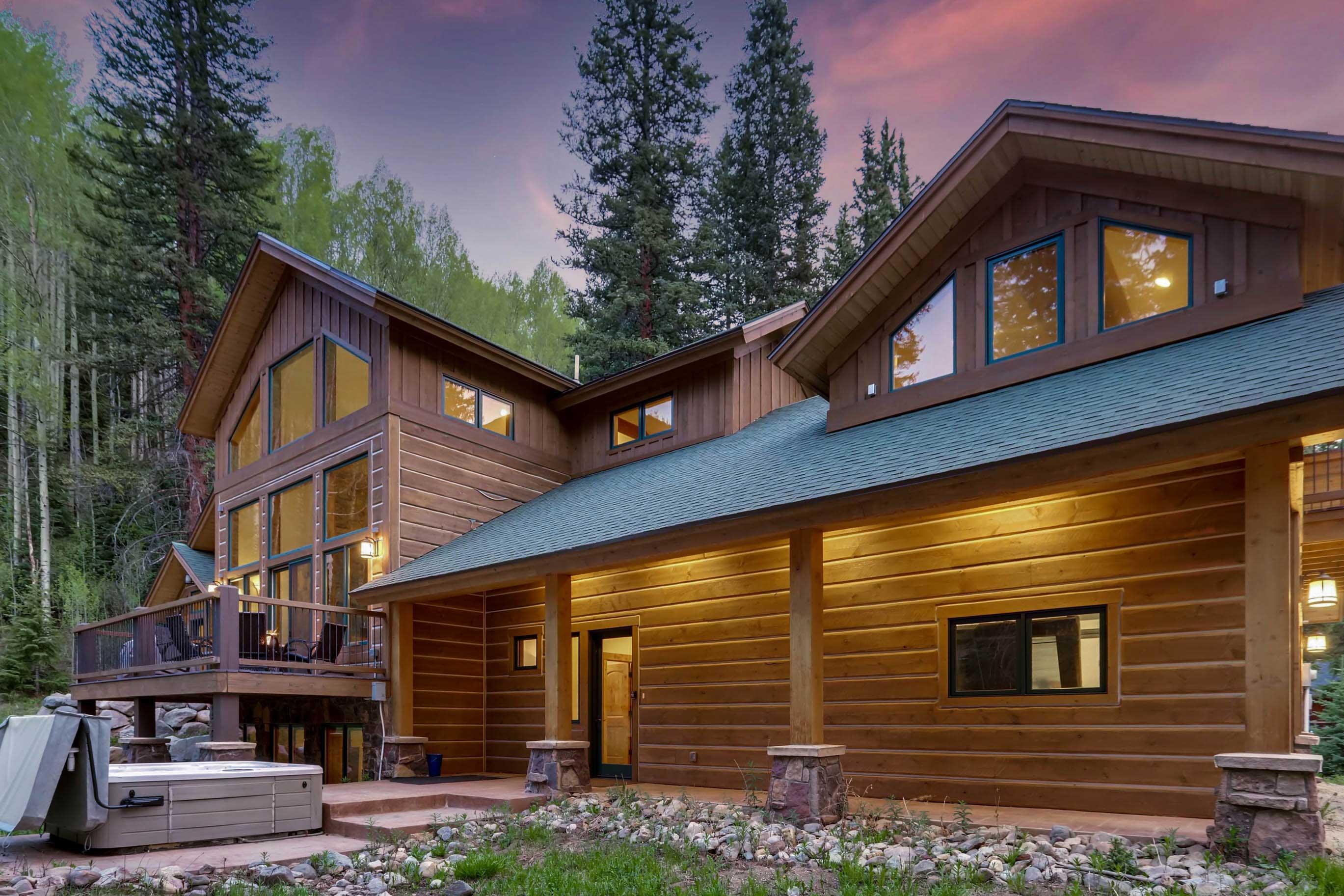 Enjoy the beautiful Rocky Mountain surroundings!