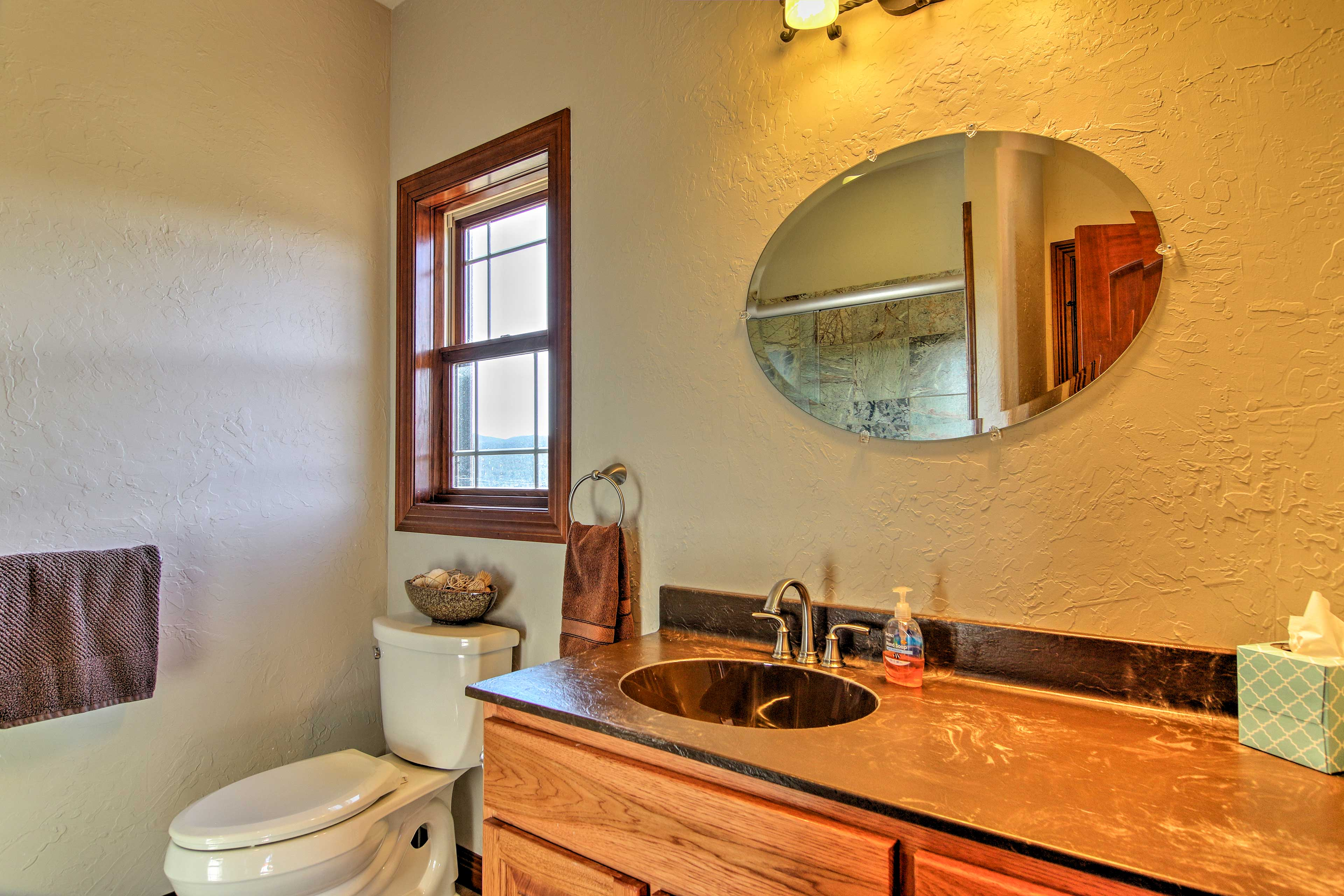 With 4.5 baths, everyone can stick to his-or-her morning routine.