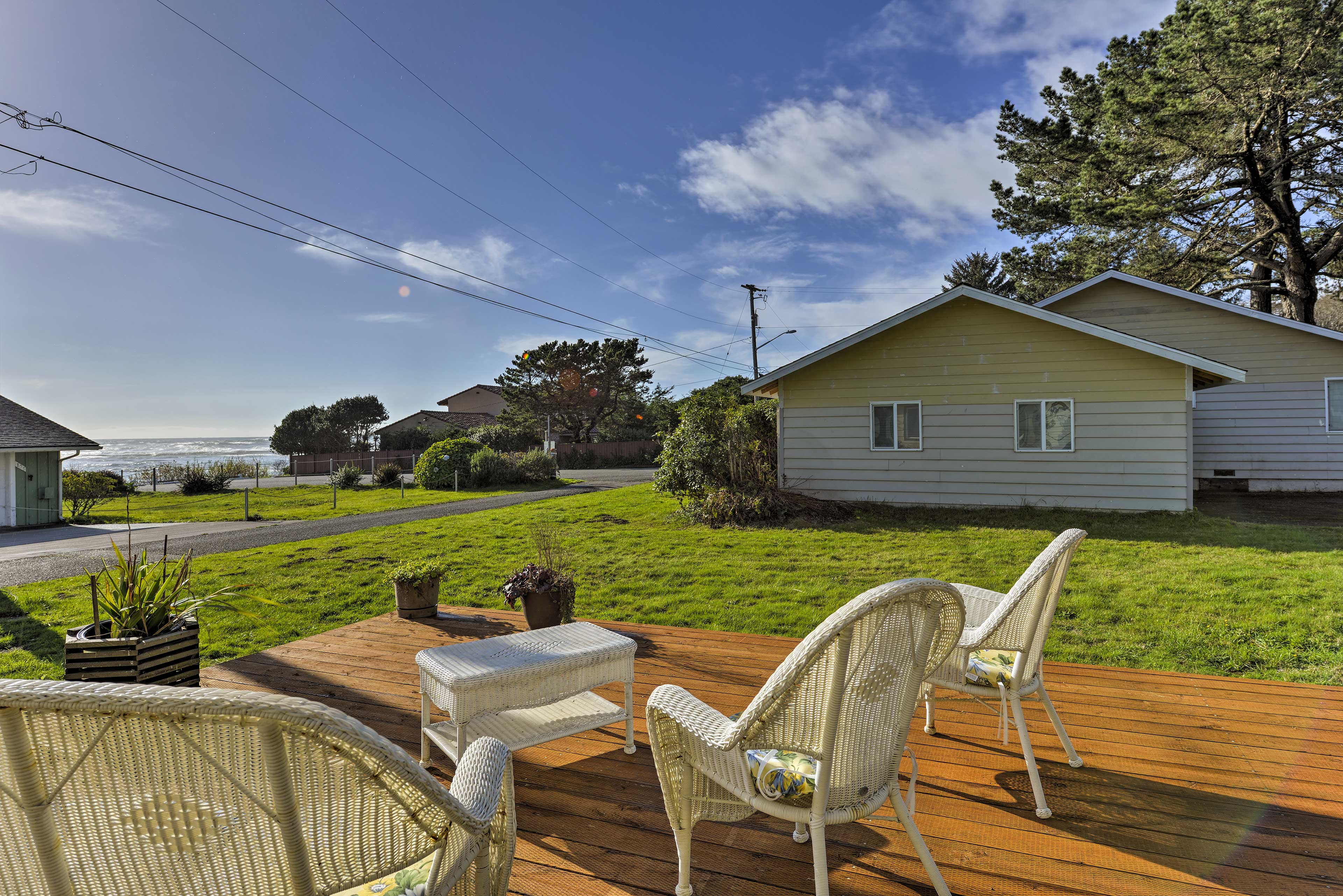 Plan your next escape to this seaside vacation rental in Smith River.
