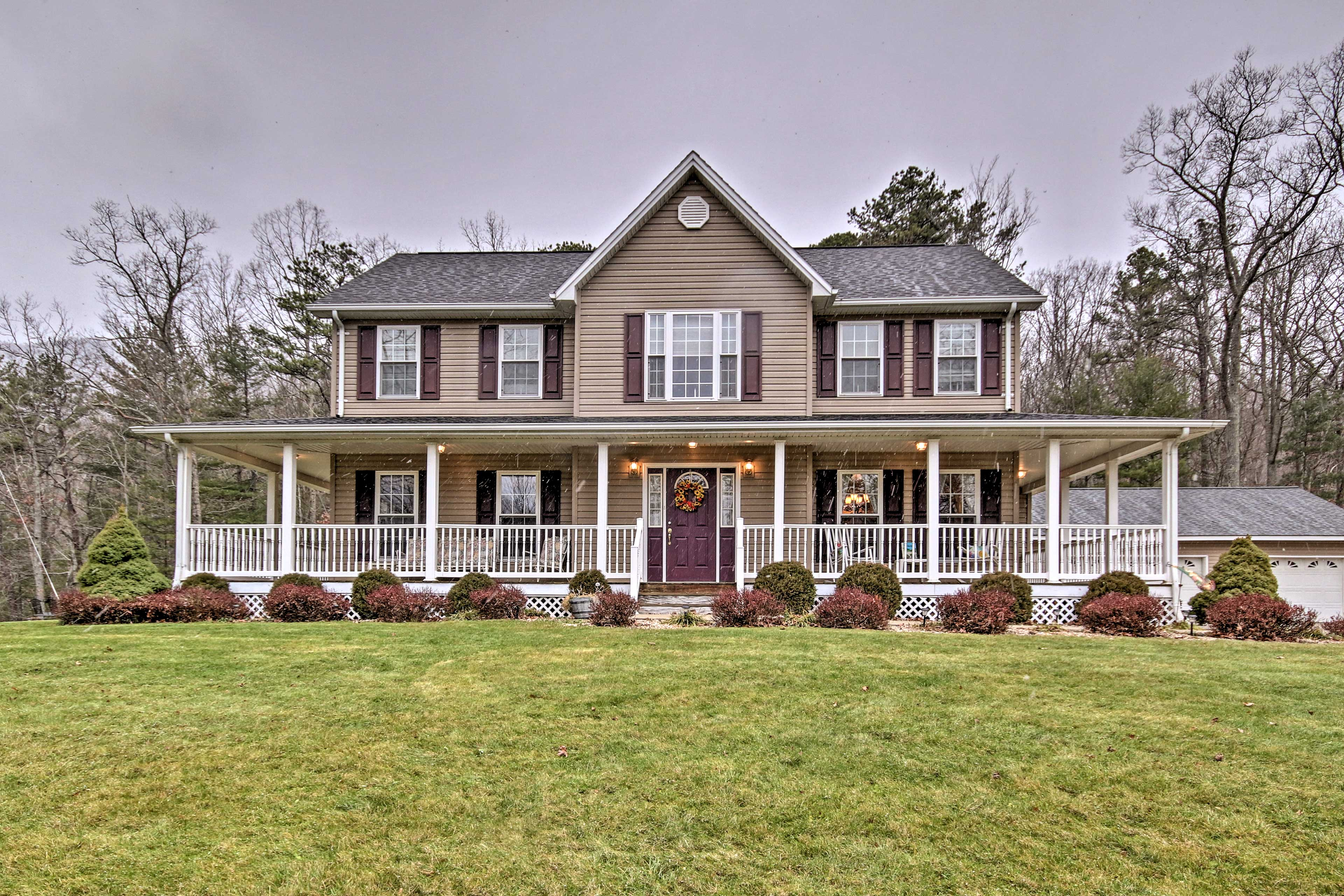 The West Virginia mountains await at a 4-bed Circleville vacation rental home!