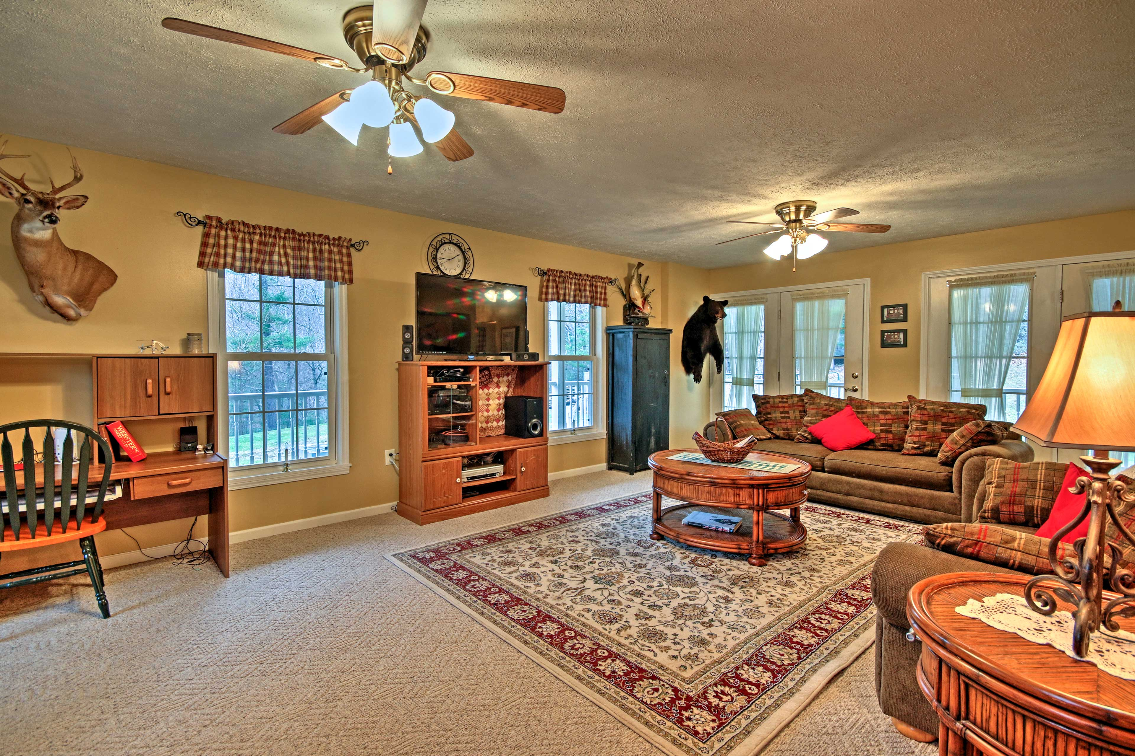 This interior boasts 2,400 square feet of living space and accommodations for 8!