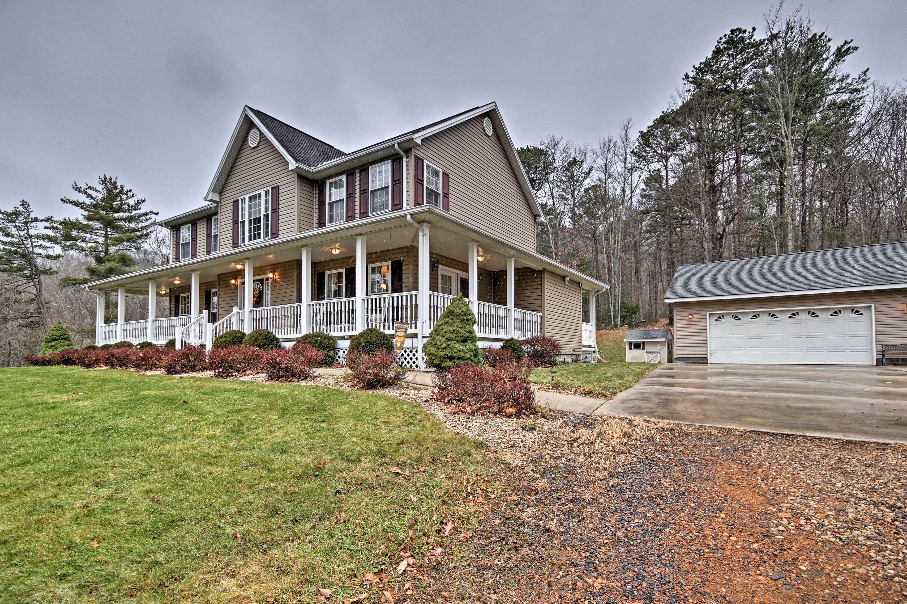 This Circleville home is perfect for your next West Virginia getaway!