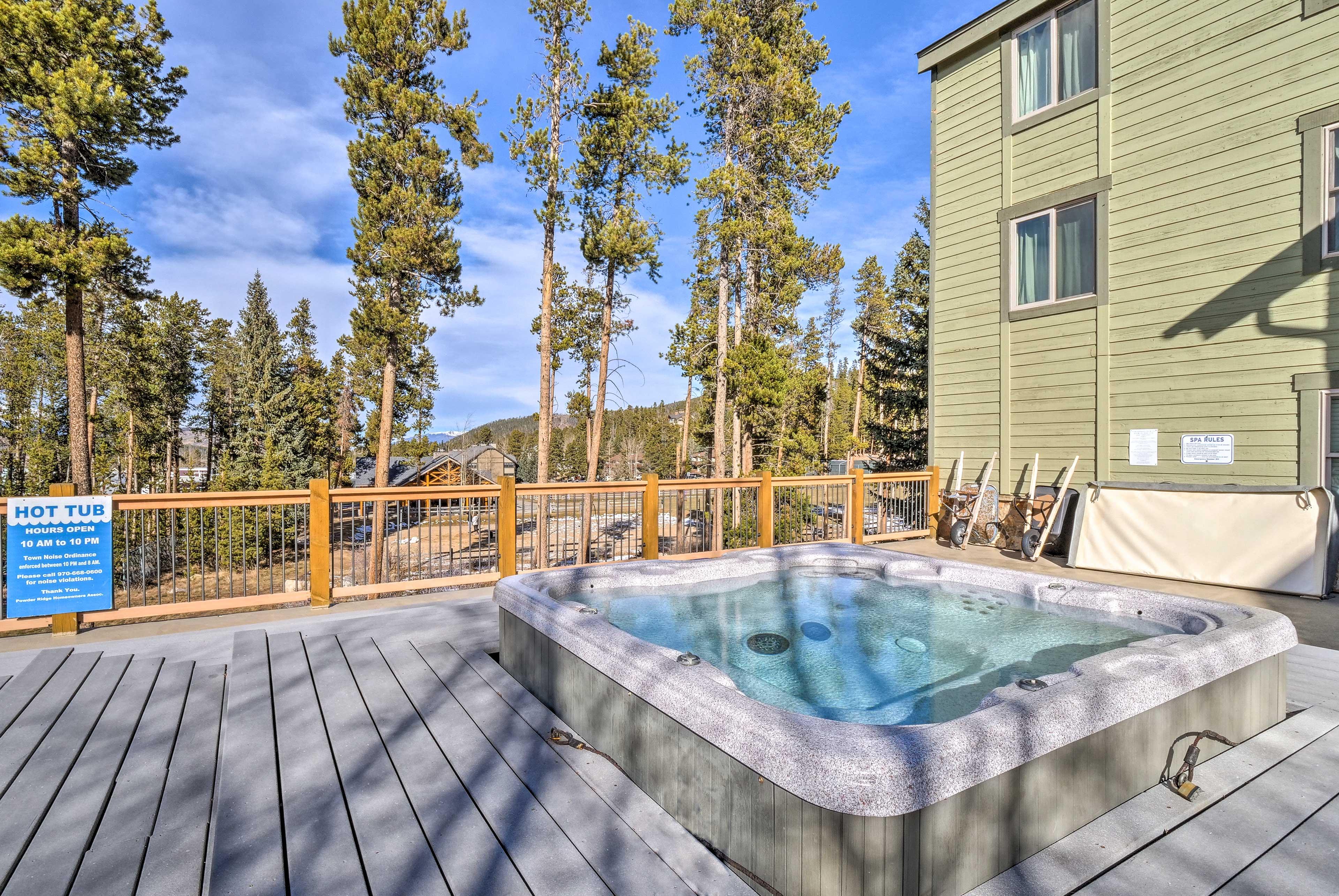 Powder Ridge Complex   Community Hot Tub