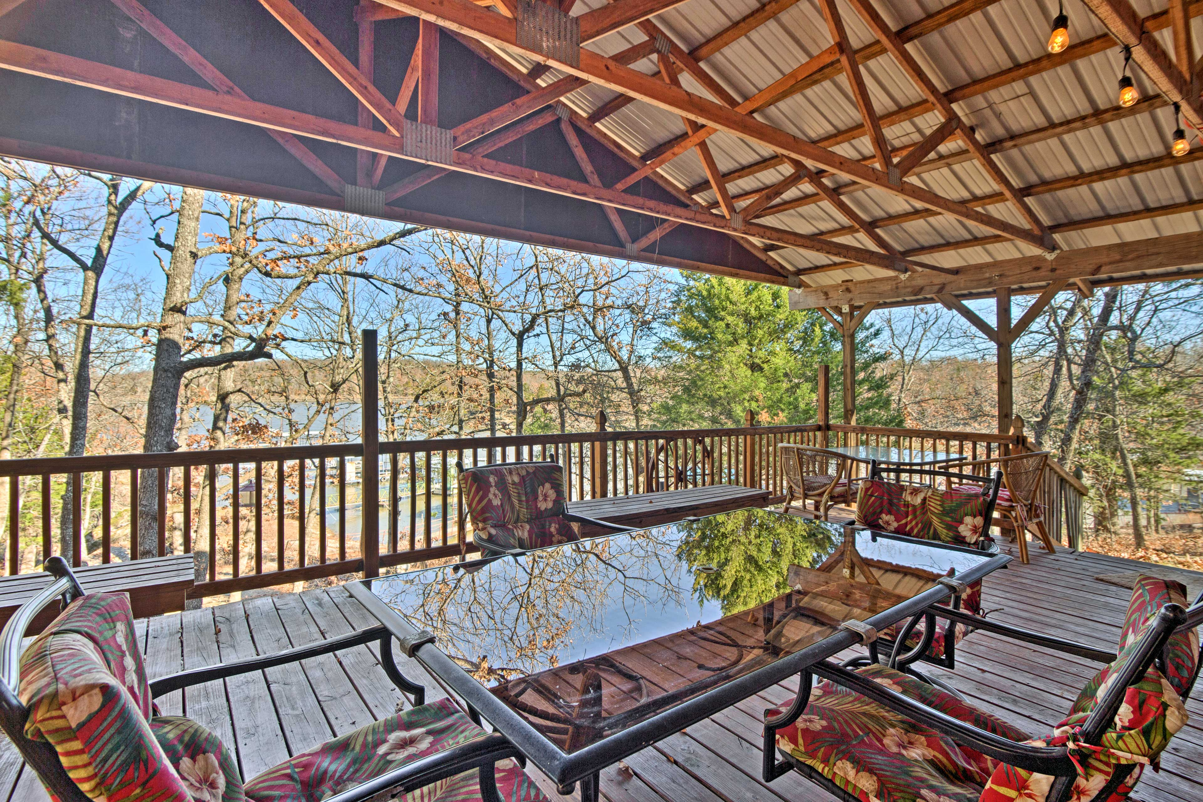 Relax at this rental home on Lake Eufaula in Canadian, Oklahoma!
