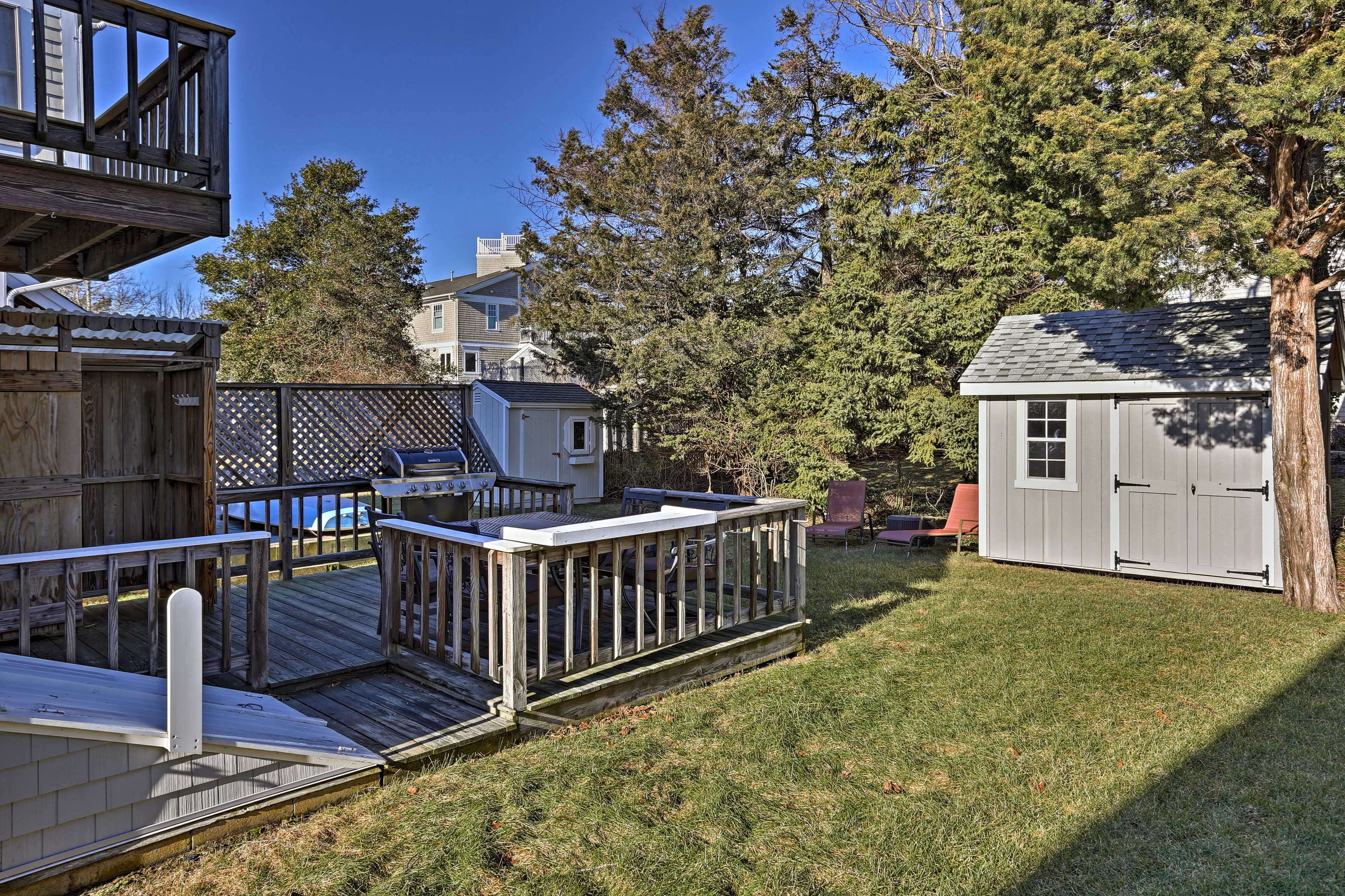 You'll have plenty of grassy backyard space for the kiddos to romp around in.
