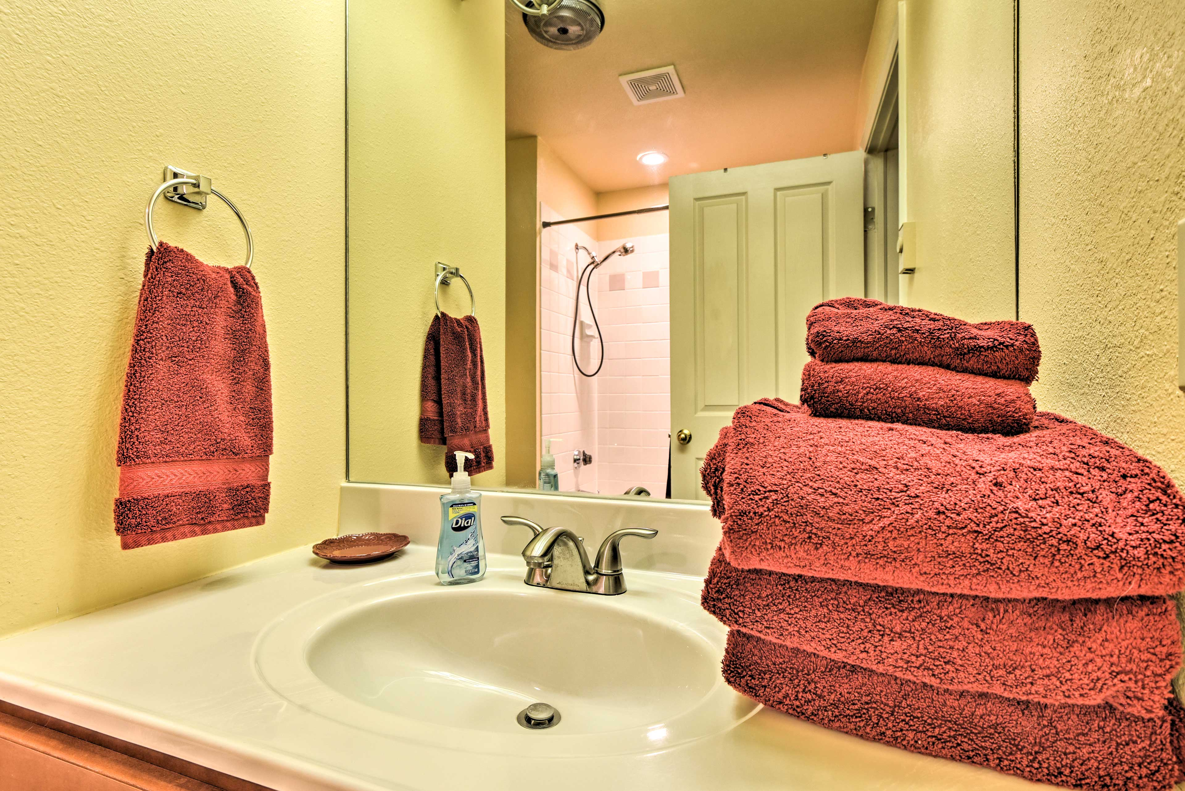 Fresh towels are provided!