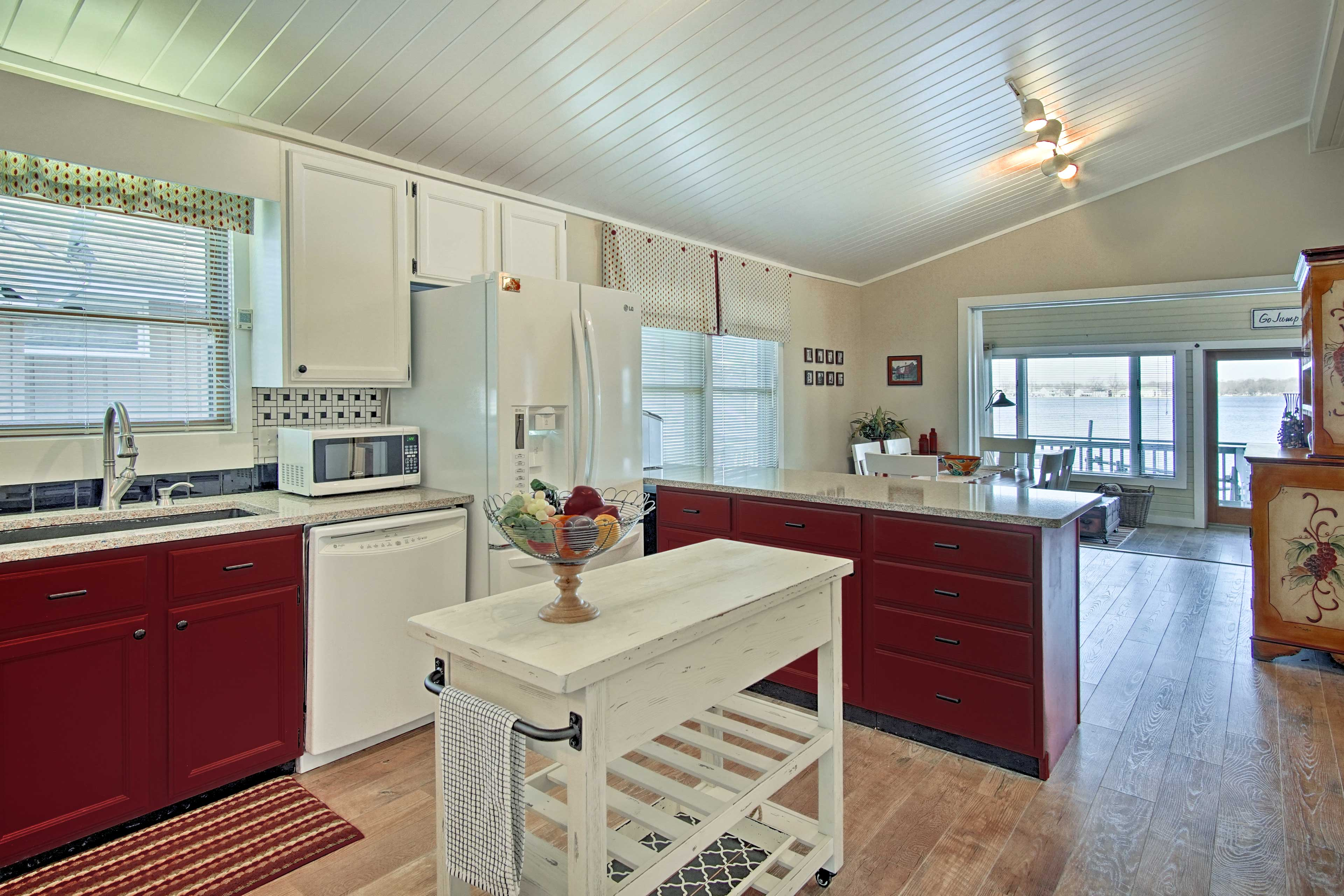 Whip up a tasty feast in the fully equipped kitchen.