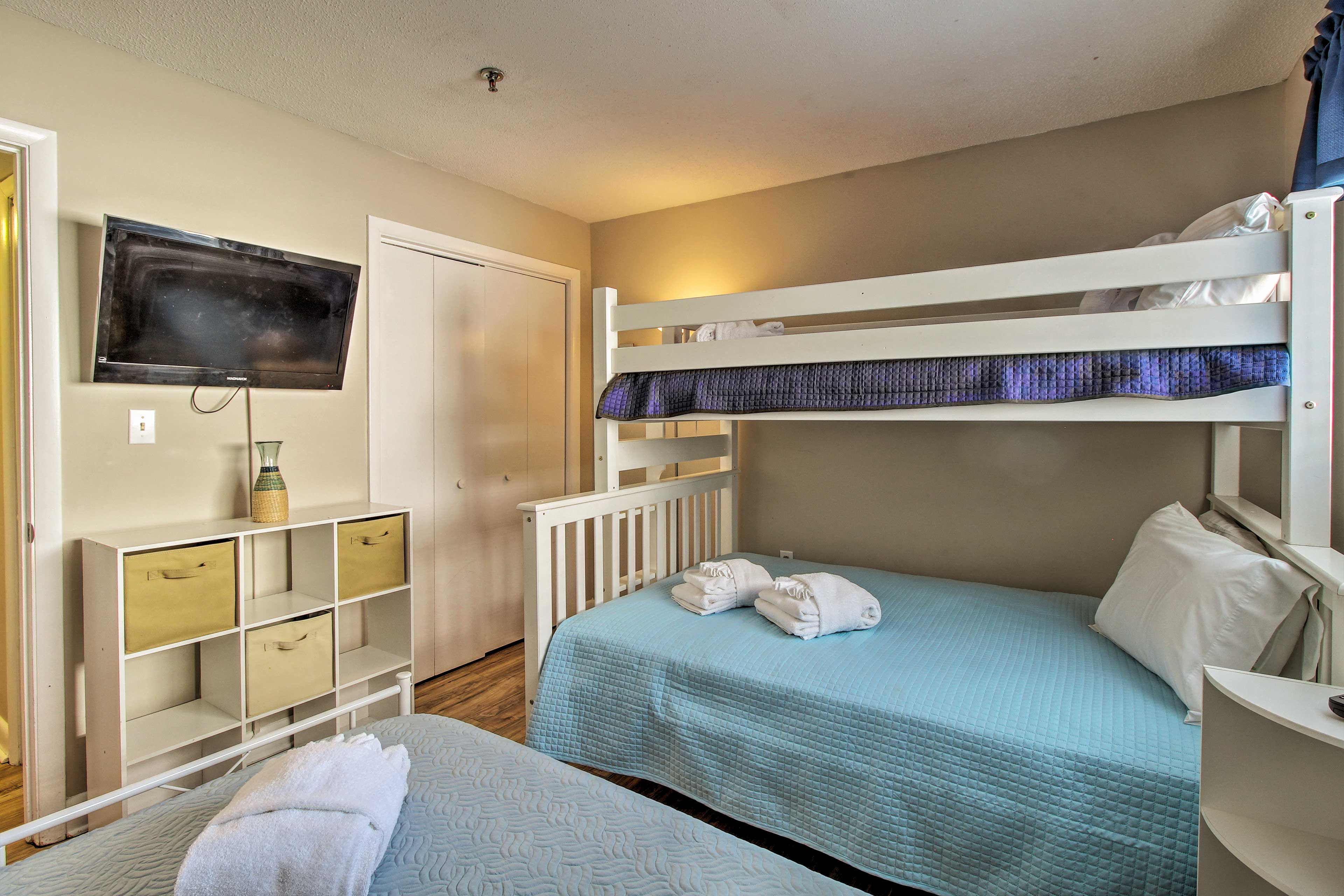 The kids are ensured peaceful slumbers on the twin-over-full bunk and twin bed.