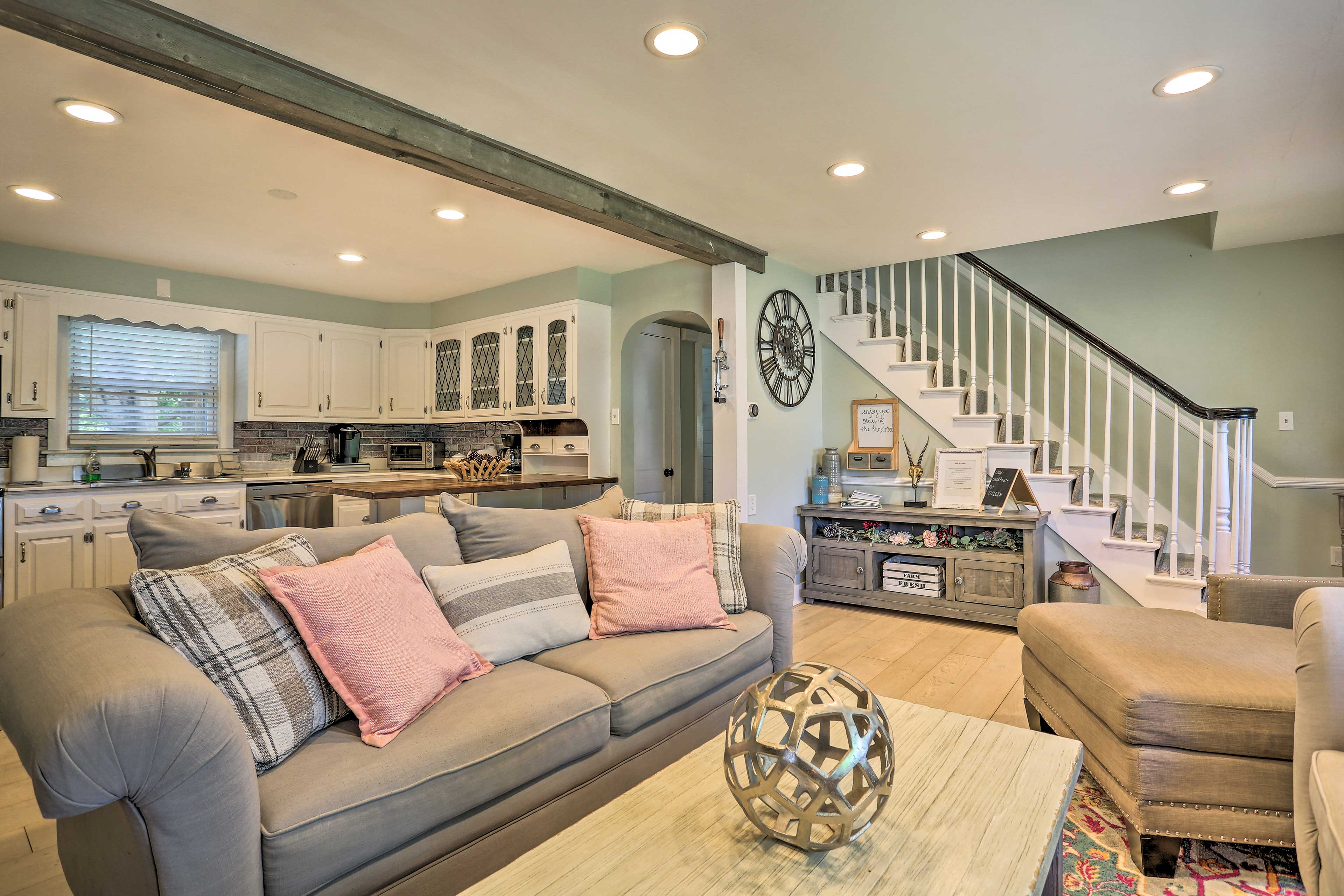 An open floor plan makes it easy for everyone to spend time together.