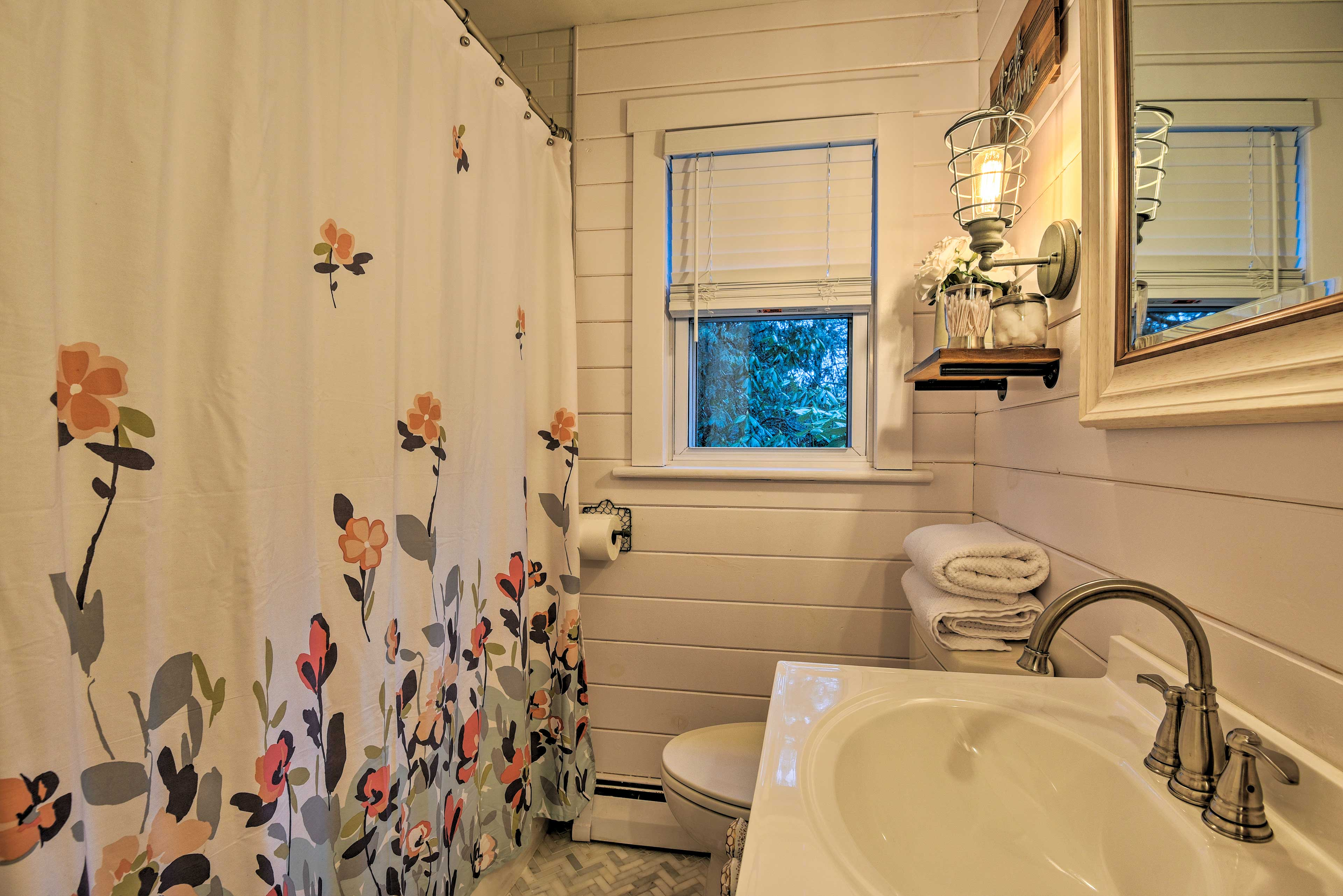 Choose between a bath or shower before bed.