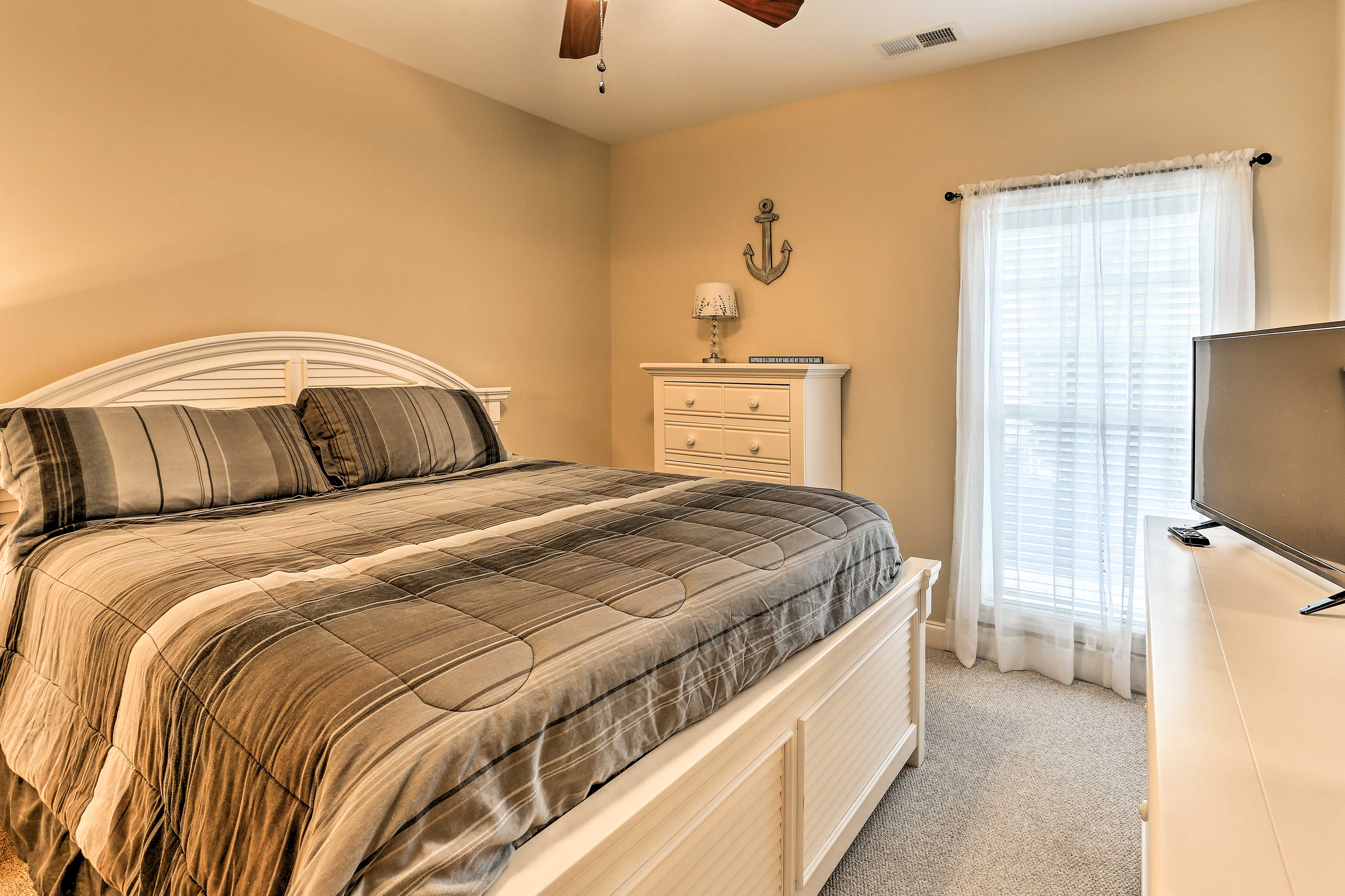 You're sure to get a peaceful night's rest in one of the 2 bedrooms.