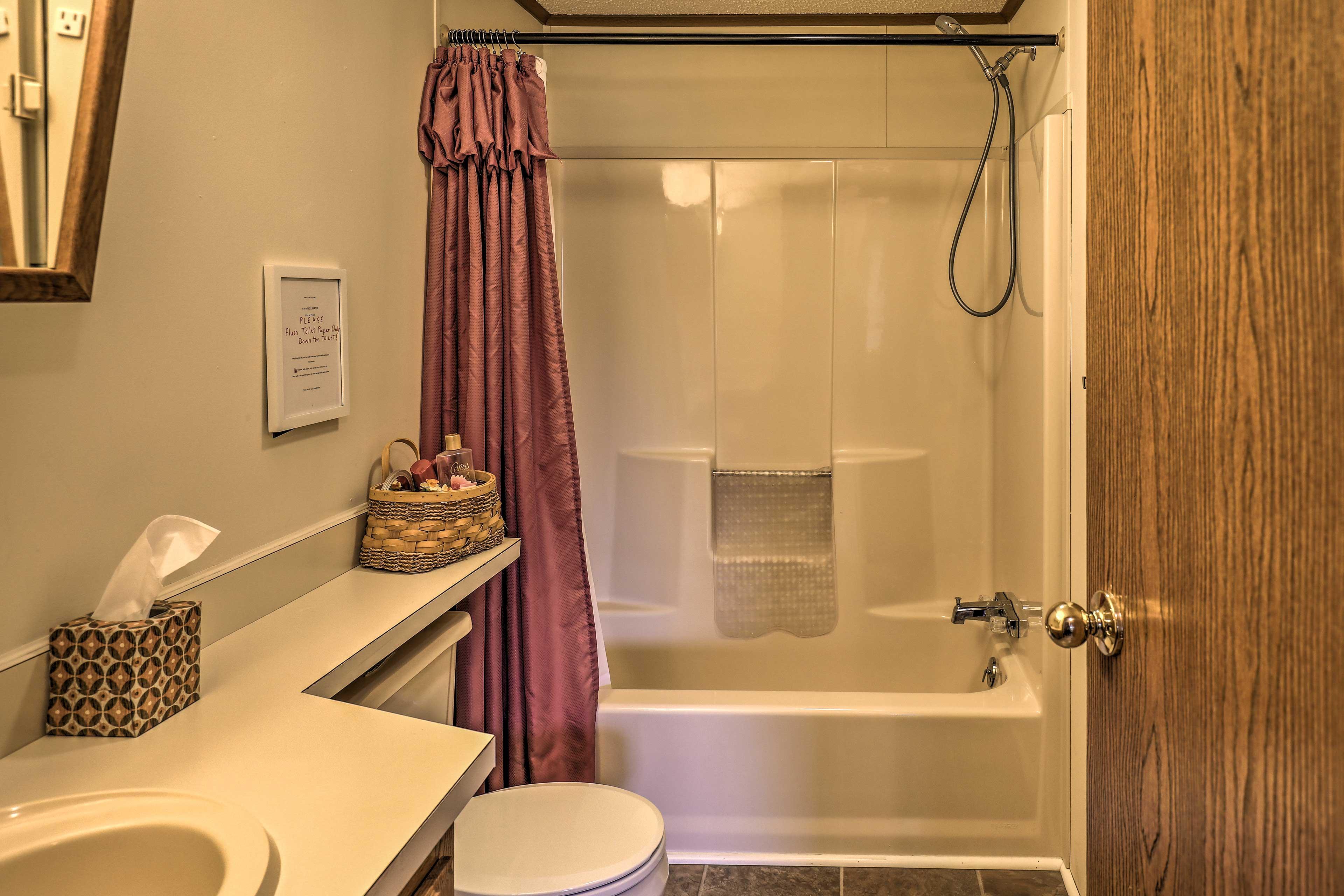 Full Bathroom | Basic Toiletries