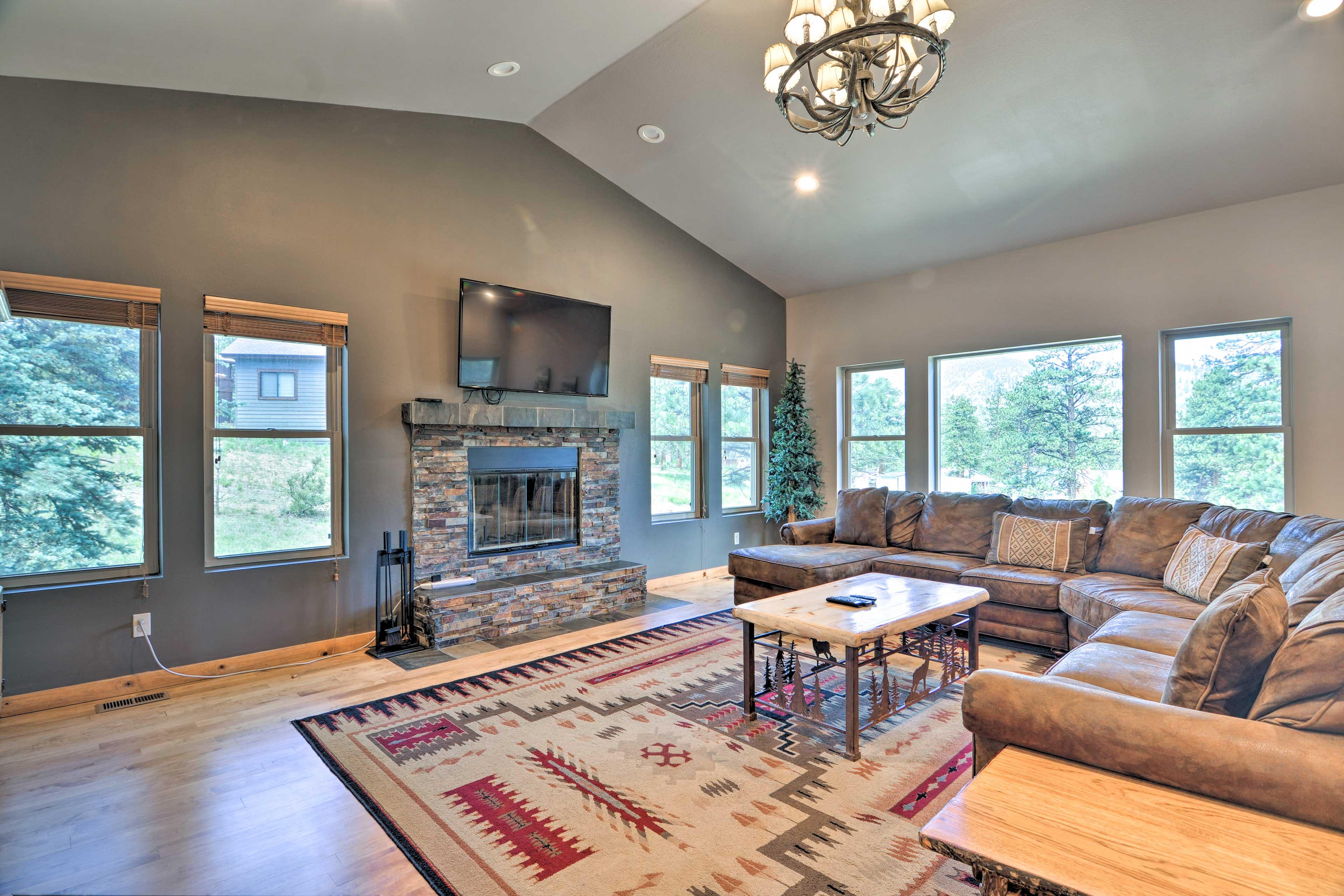 Living Area   Wood-Burning Fireplace   TV