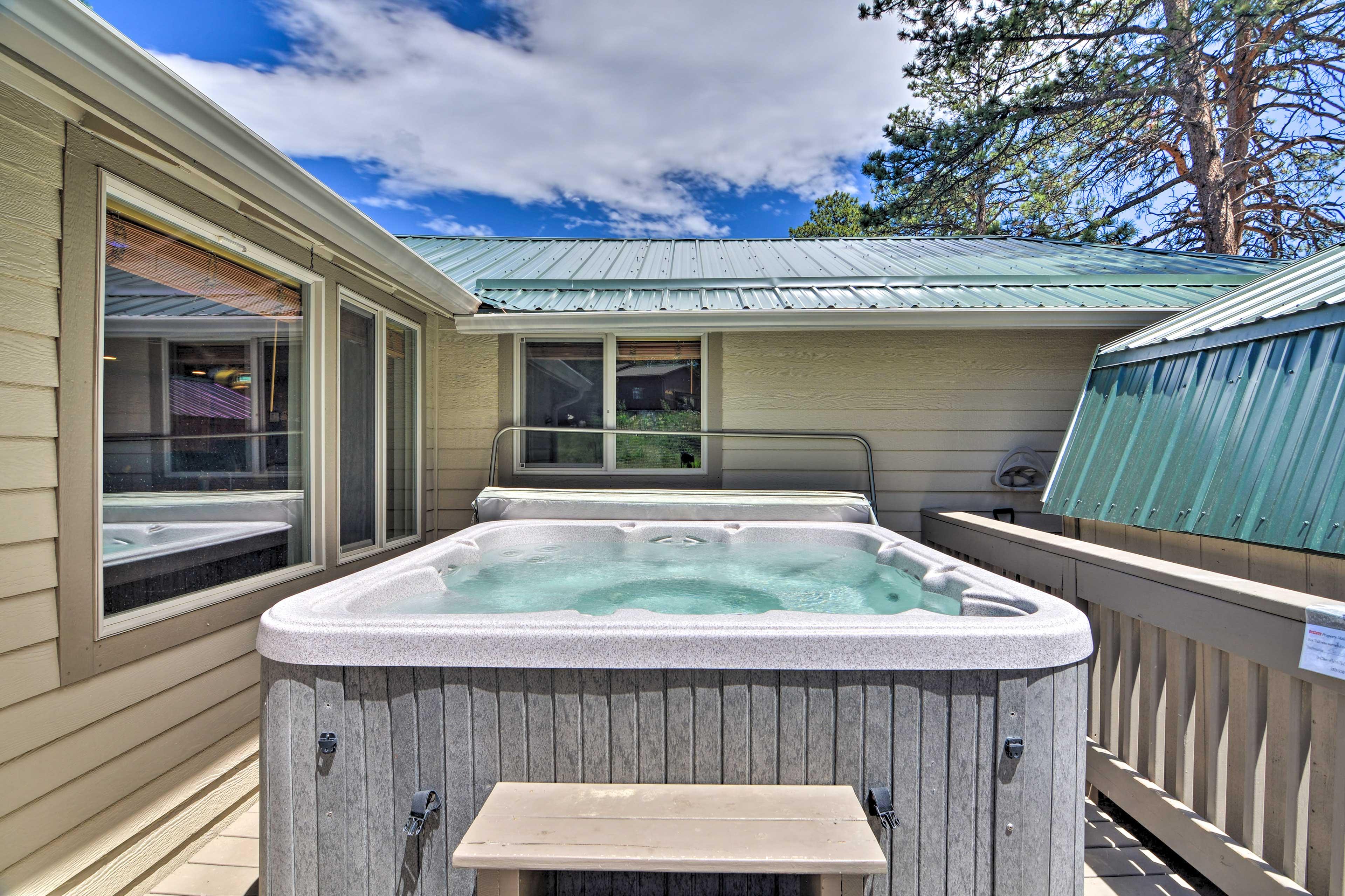 Private Deck   Hot Tub