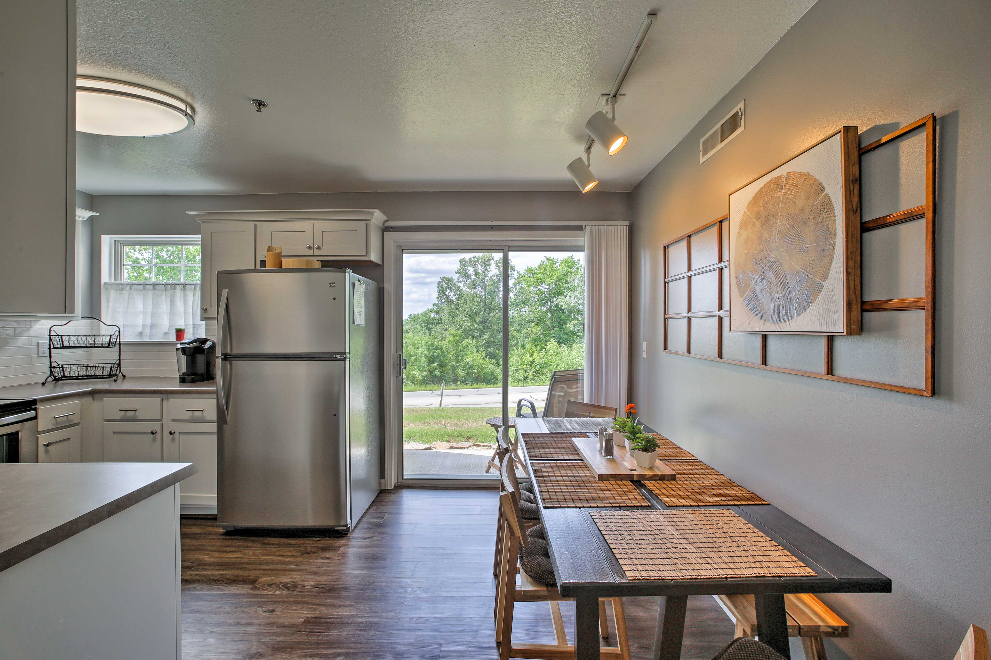 This 1,200-square-foot home offers plenty of space for up to 6 guests.