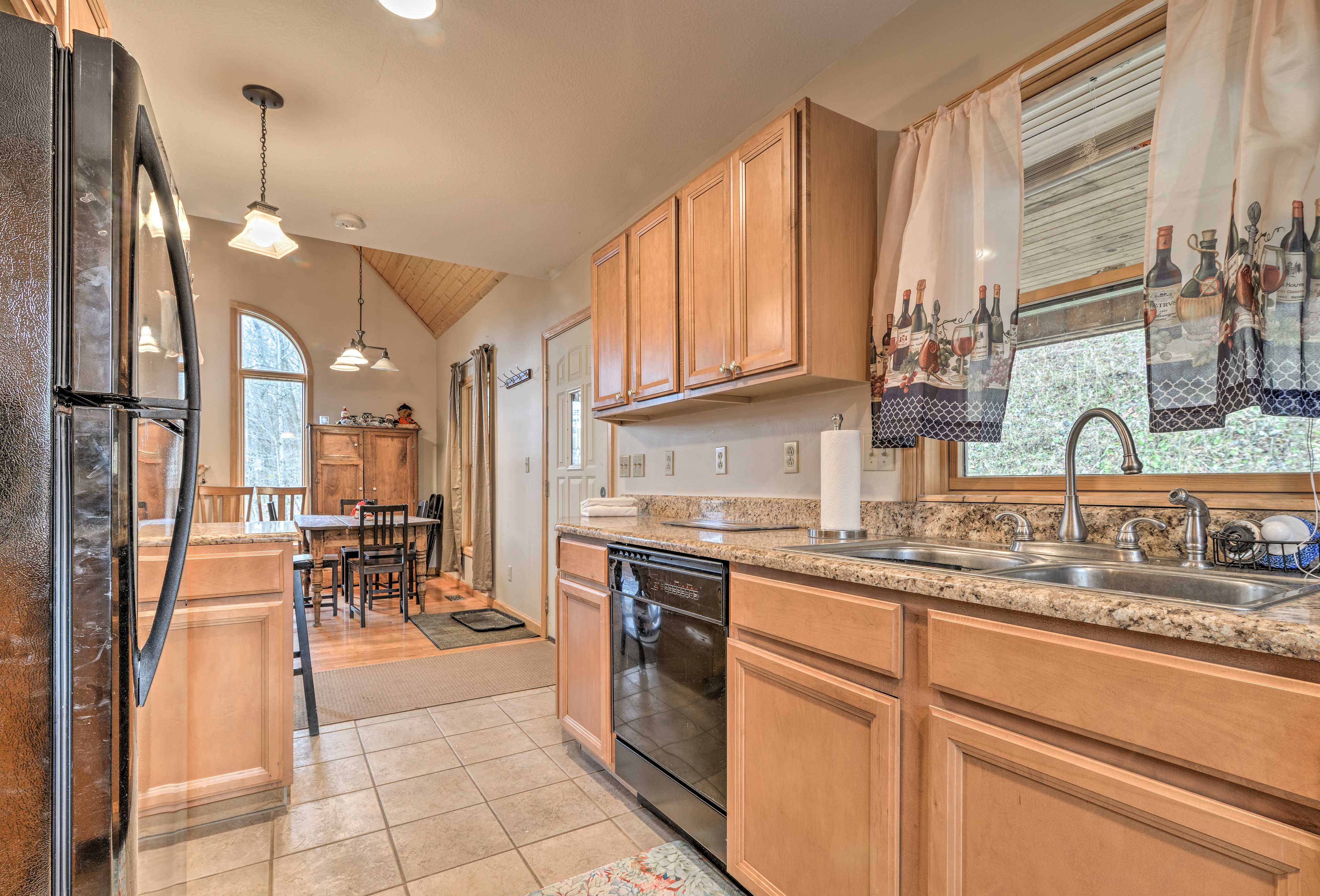 You'll have all the modern appliances and cookware you need to feed the family!