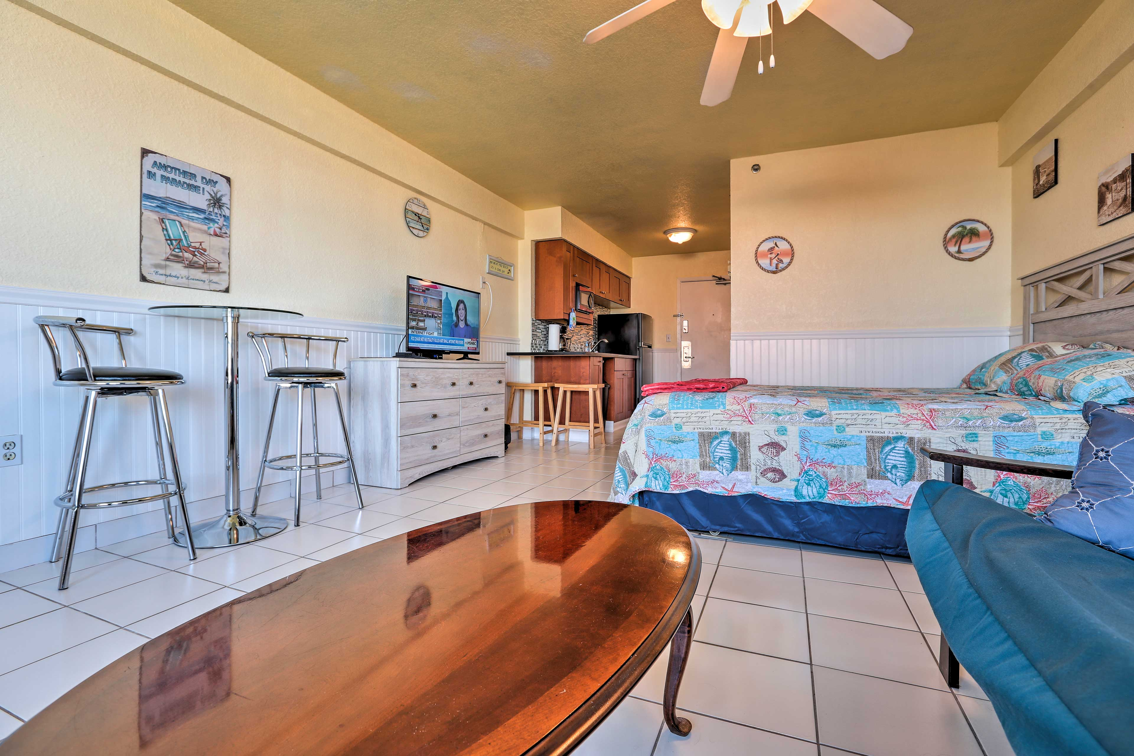 Up to 4 guests can call this lovely studio home during their sunny getaway!