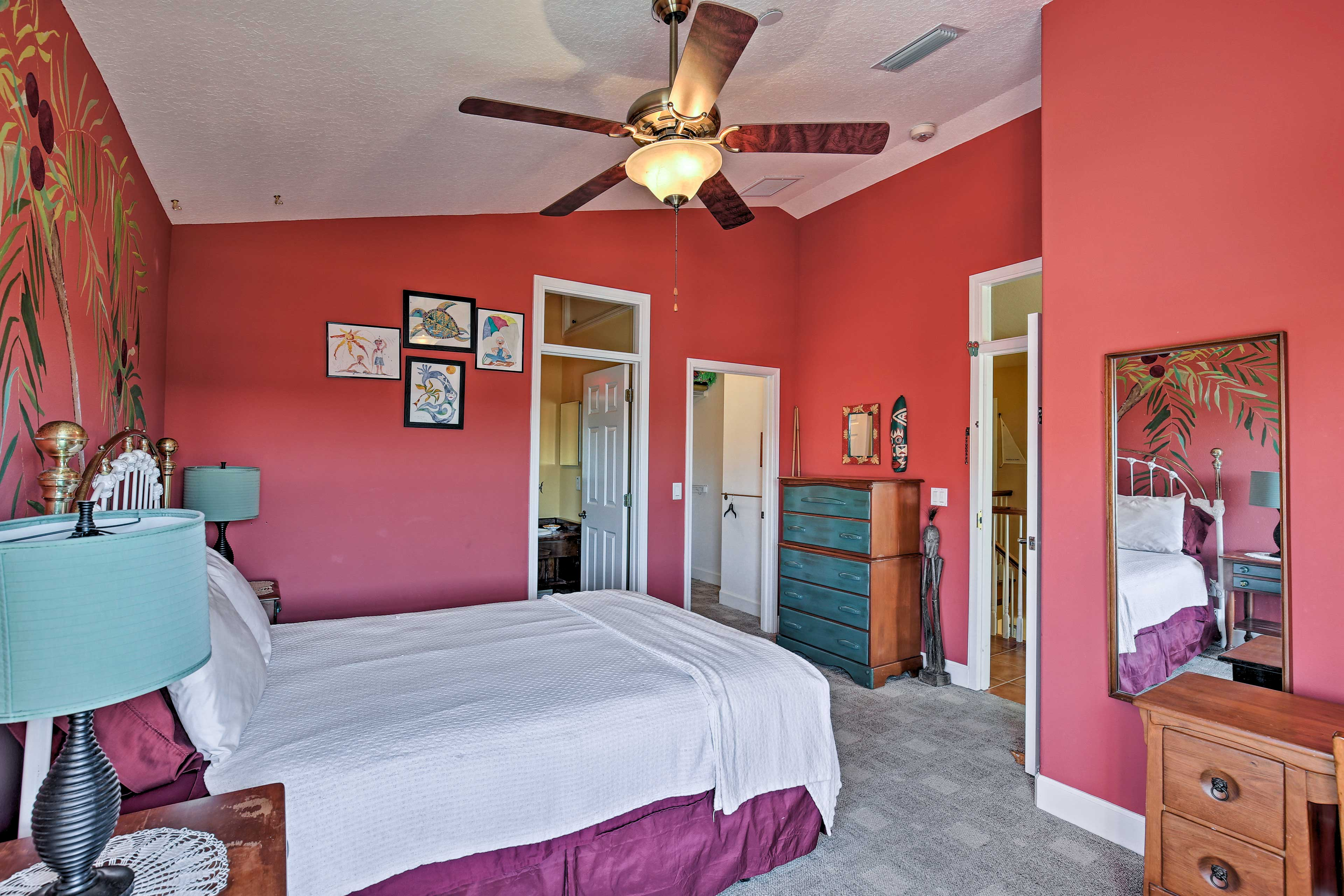 Each room features a flat-screen TV and en-suite bathroom.
