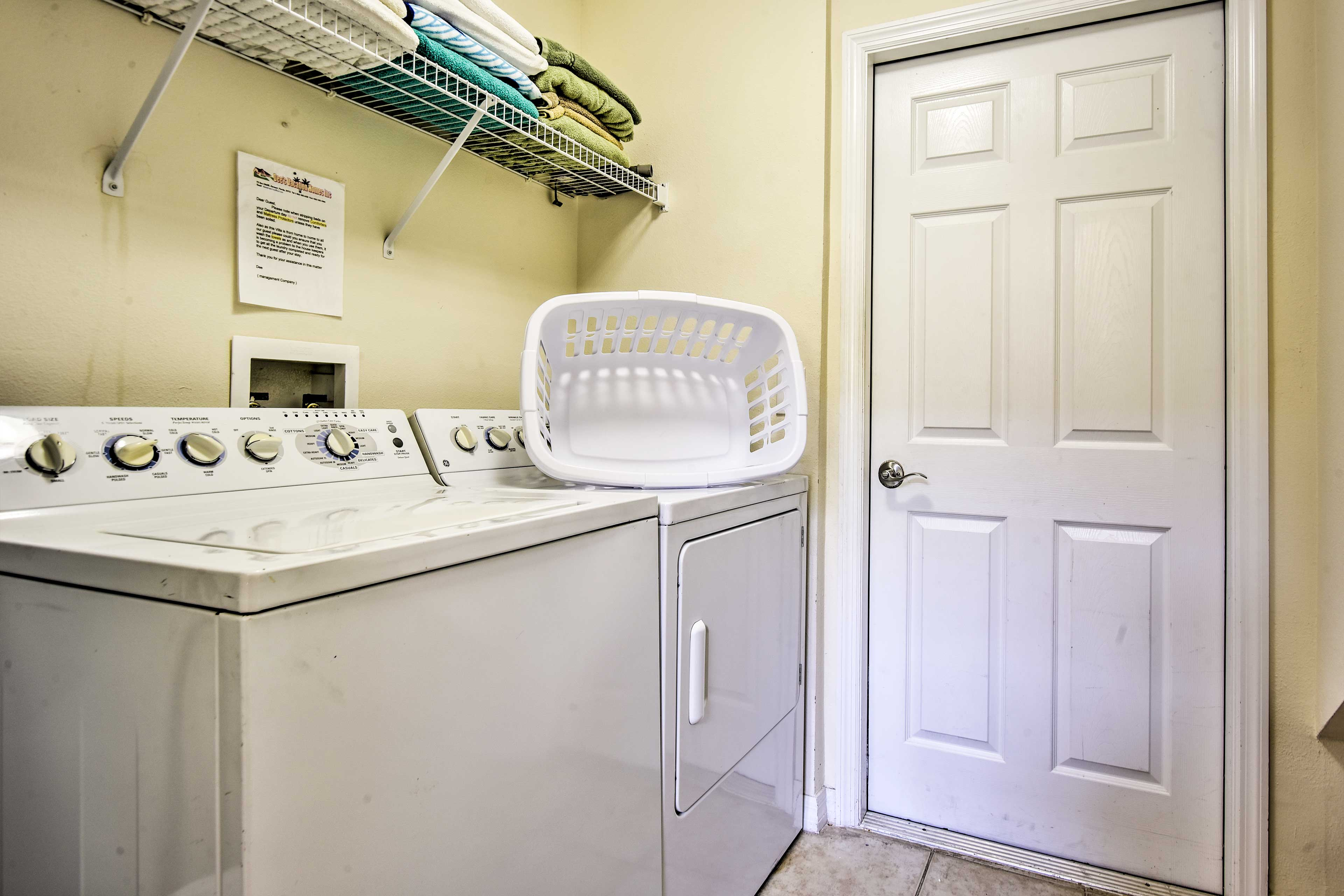 Keep your clothes fresh with in-unit laundry machines.