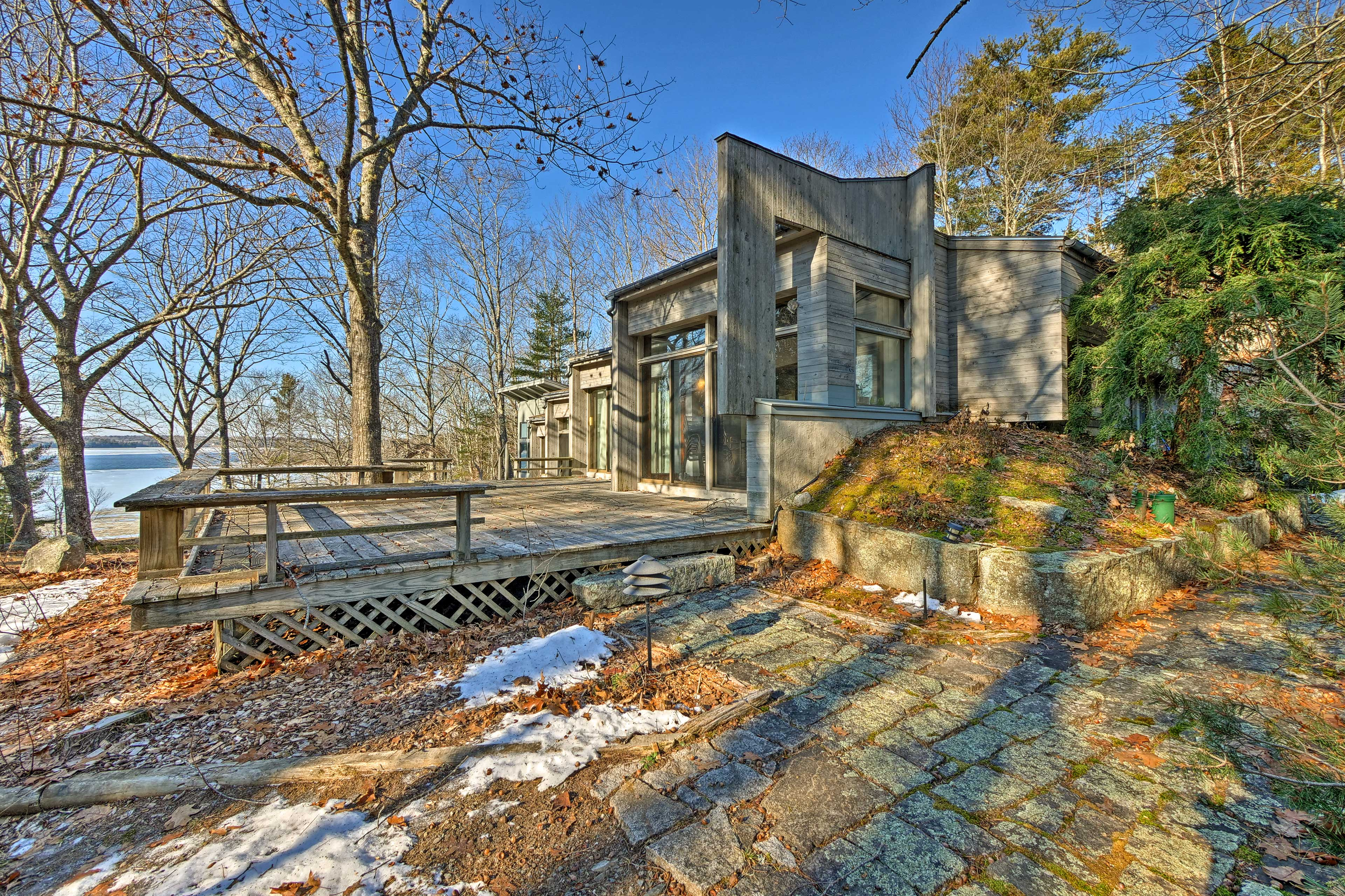 Fall in love with the natural paradise of Maine at this vacation rental for 8.