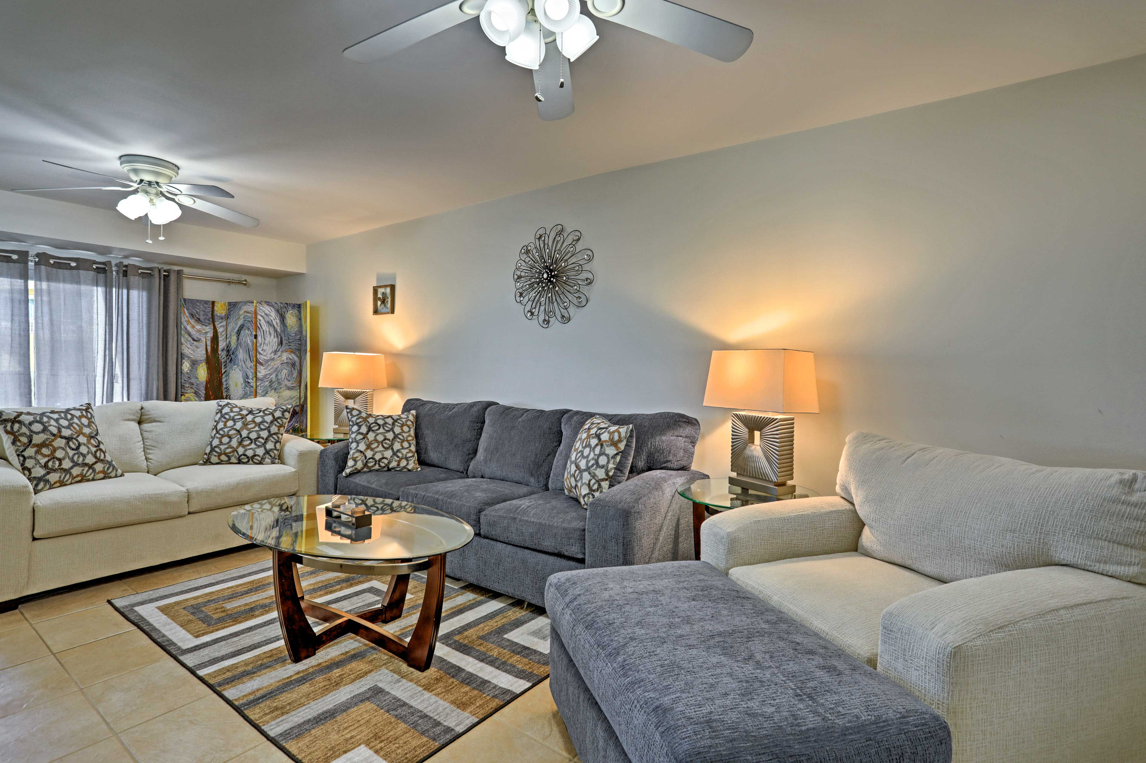 This condo is beautifully decorated and features comfortable furnishings.