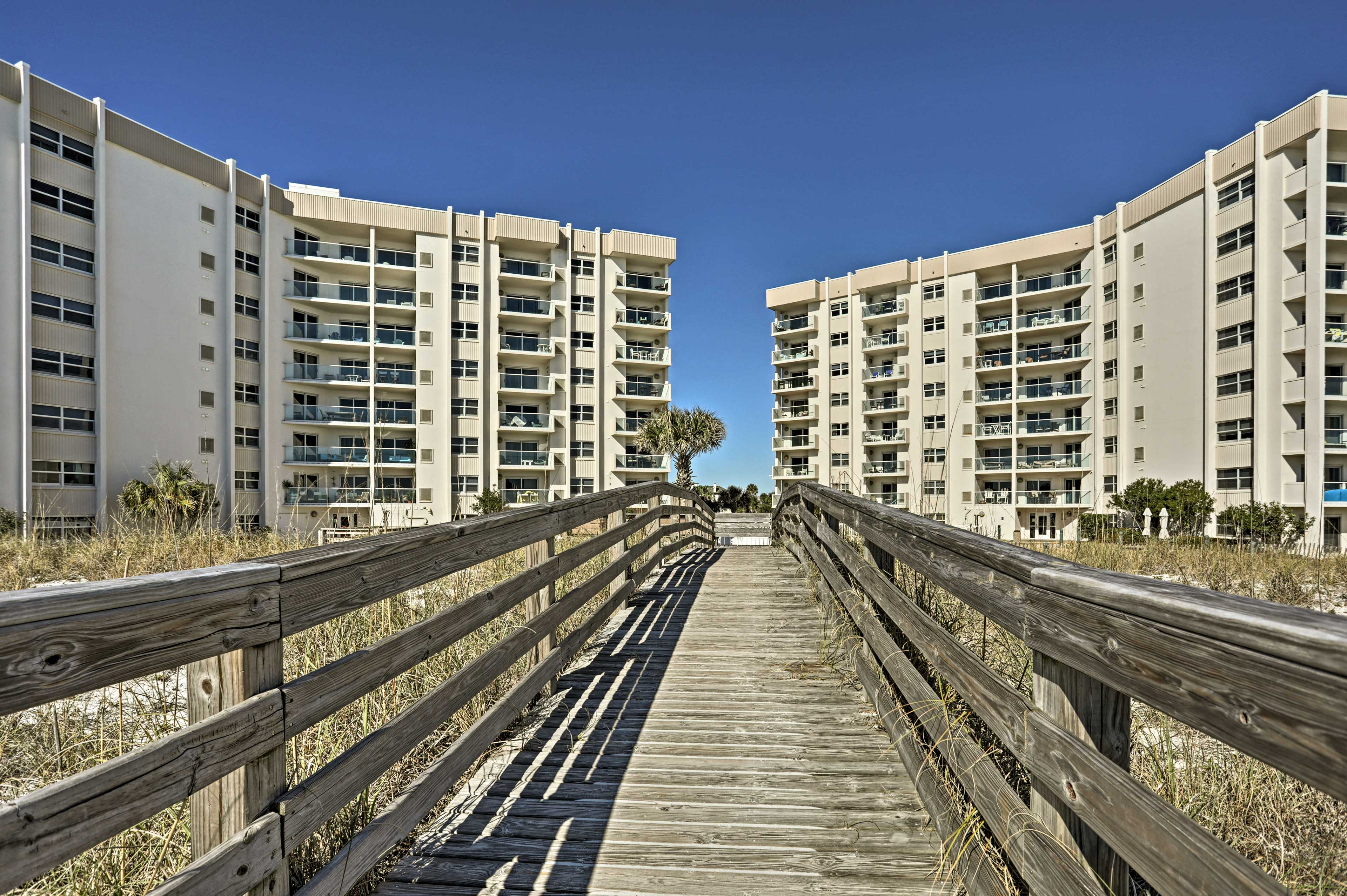 The boardwalk makes it easy to go from the beach to the condo!