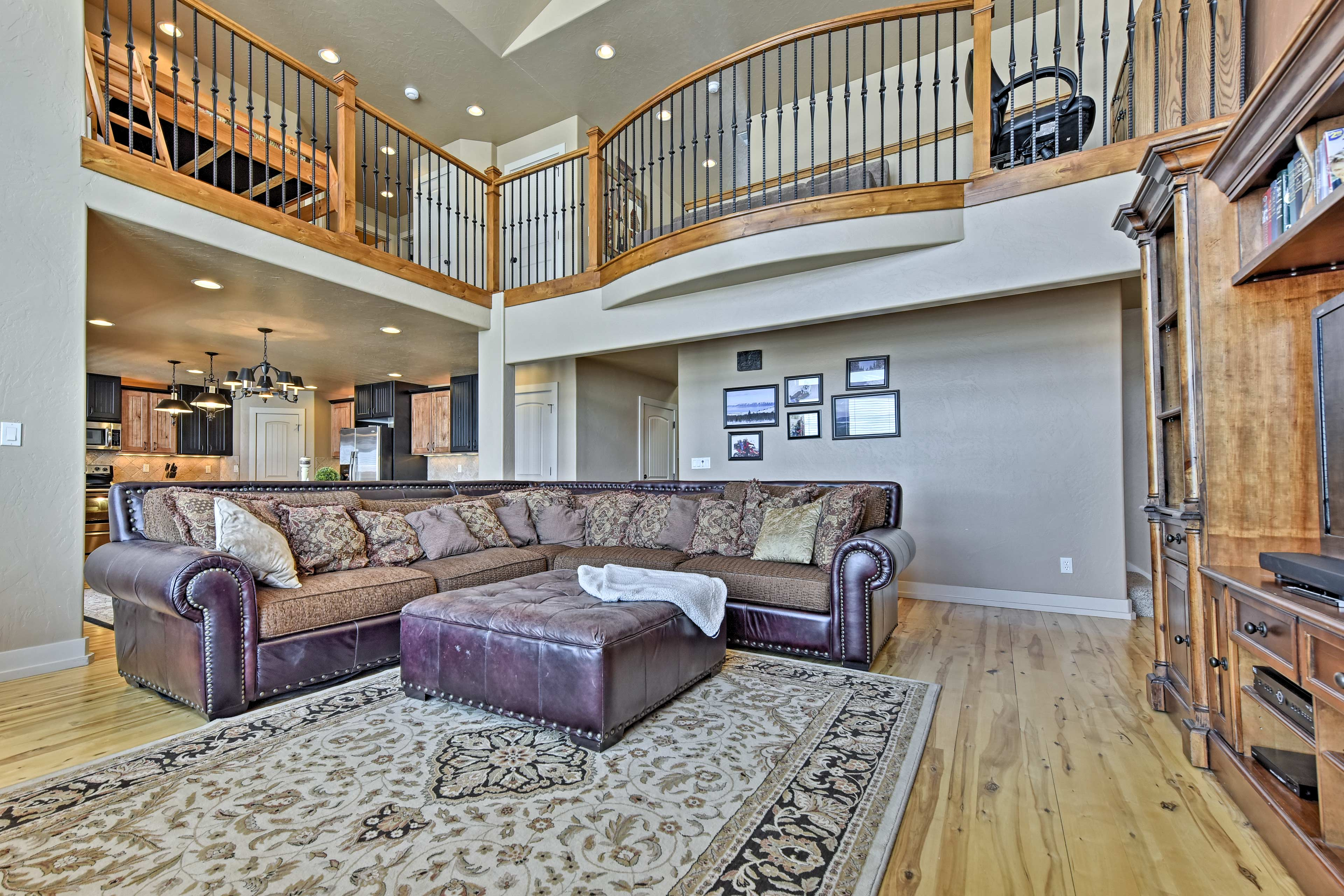 This spacious vacation rental has 7 bedrooms and 4 bathrooms.