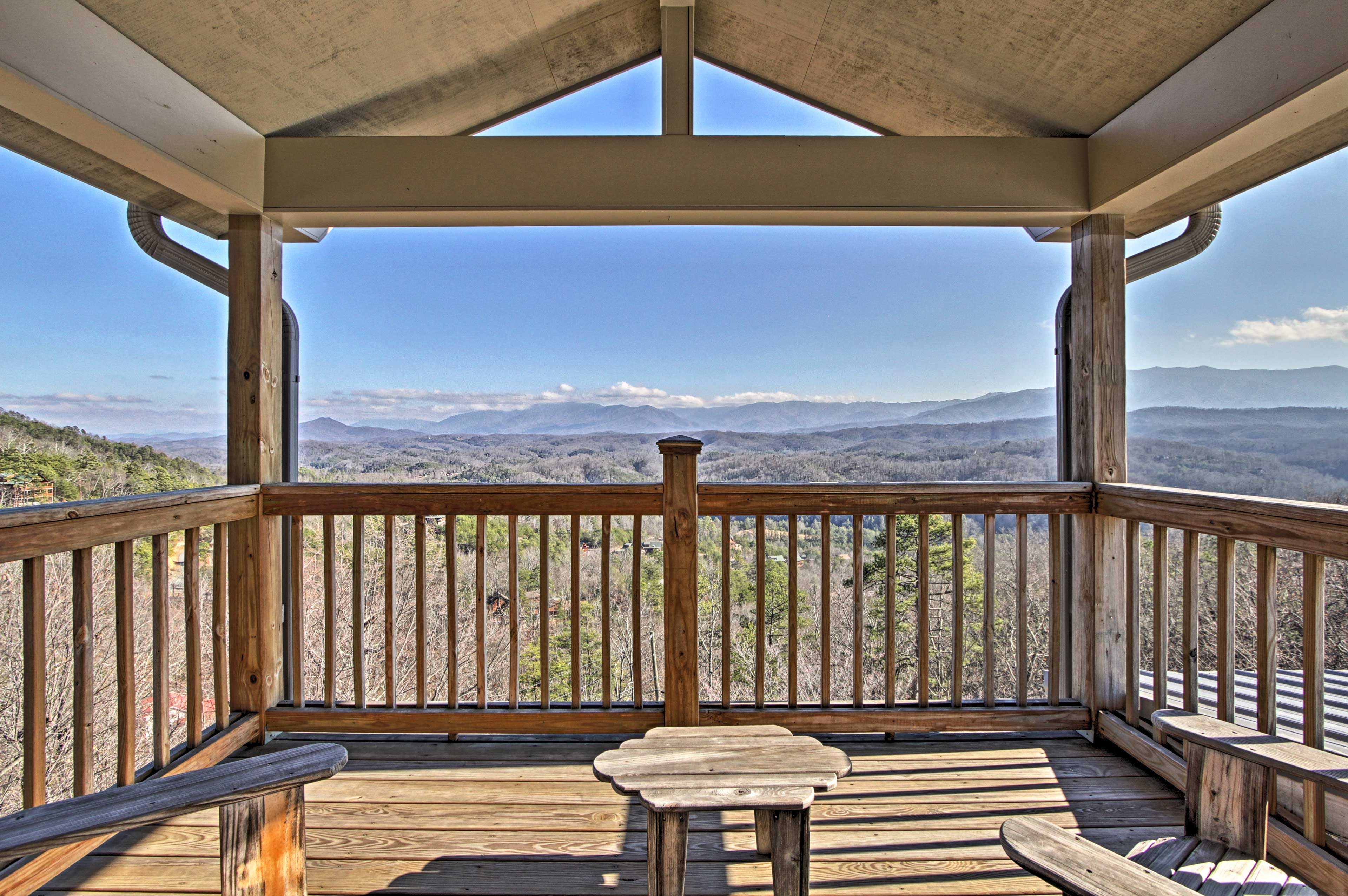 Visit Sevierville, Pigeon Forge & Gatlinburg from this vacation rental cottage!
