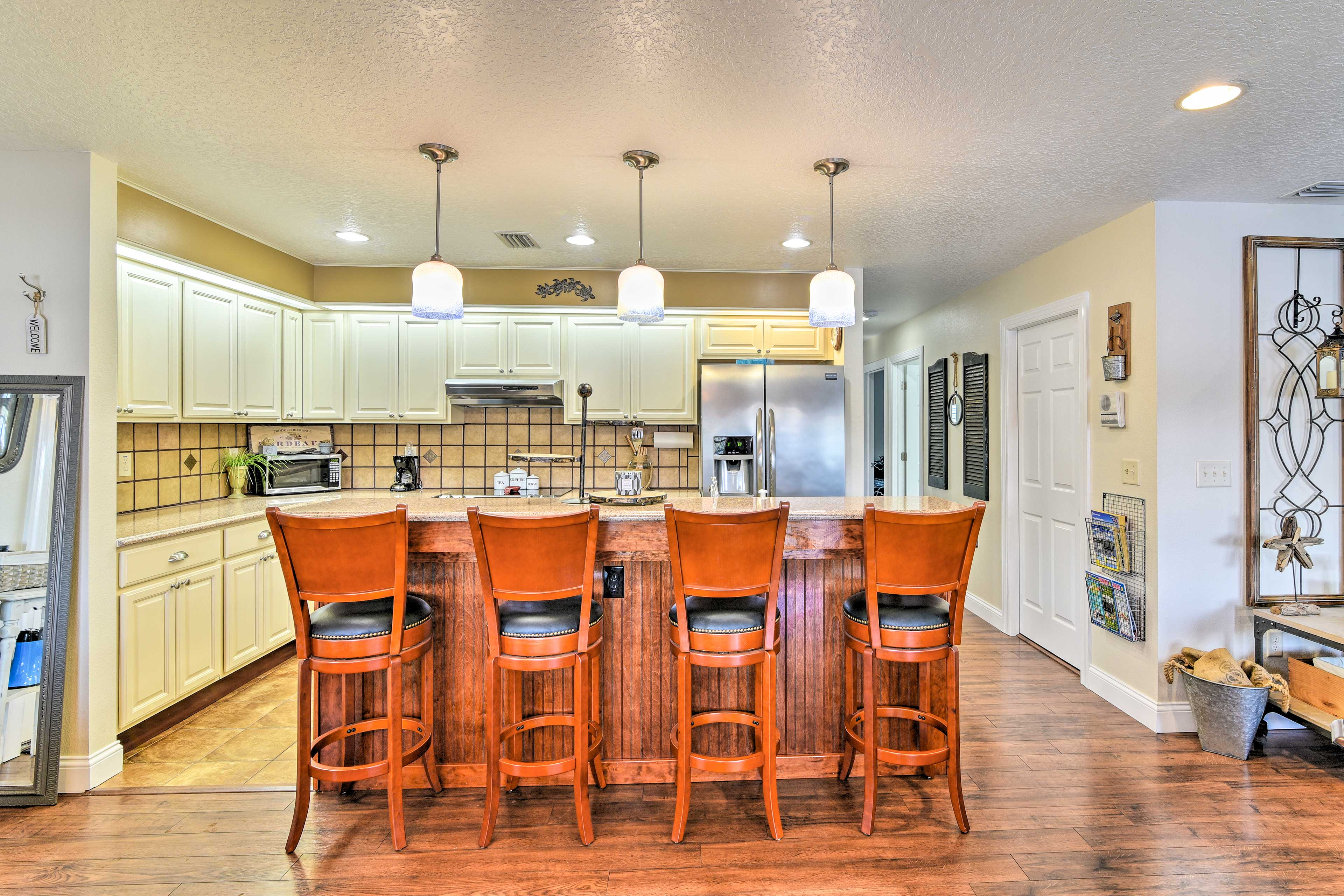 Channel your inner Iron Chef in the fully equipped kitchen!