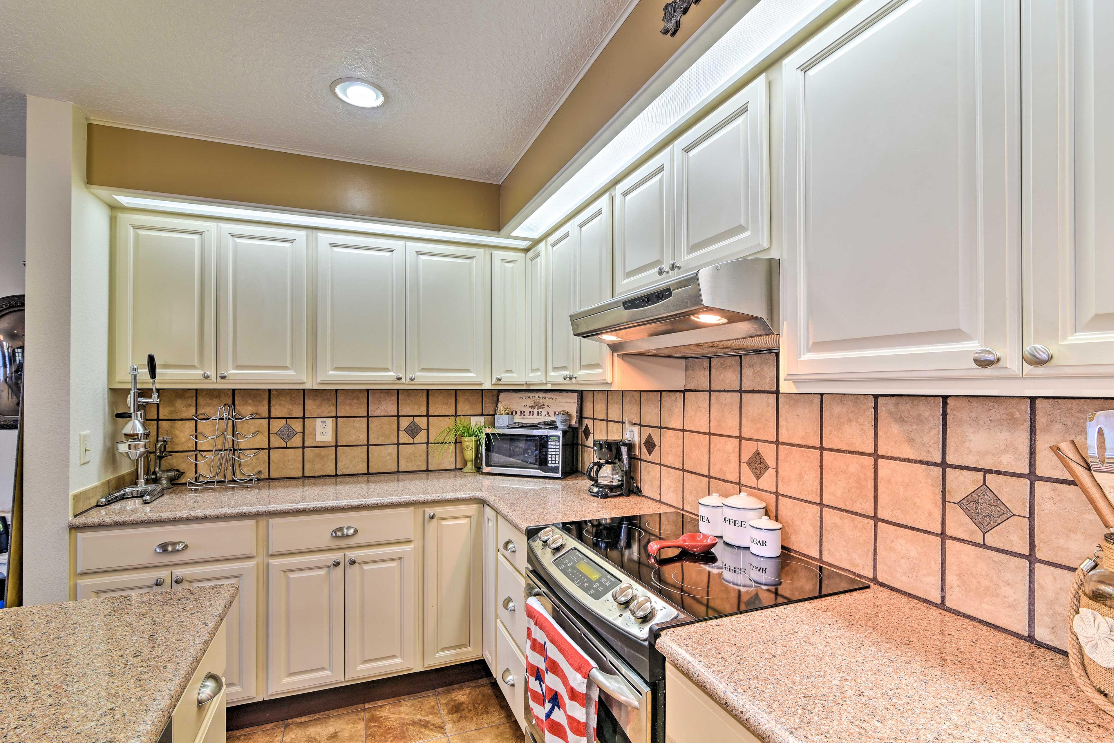 The tile back splash gives the kitchen a high-end finish!