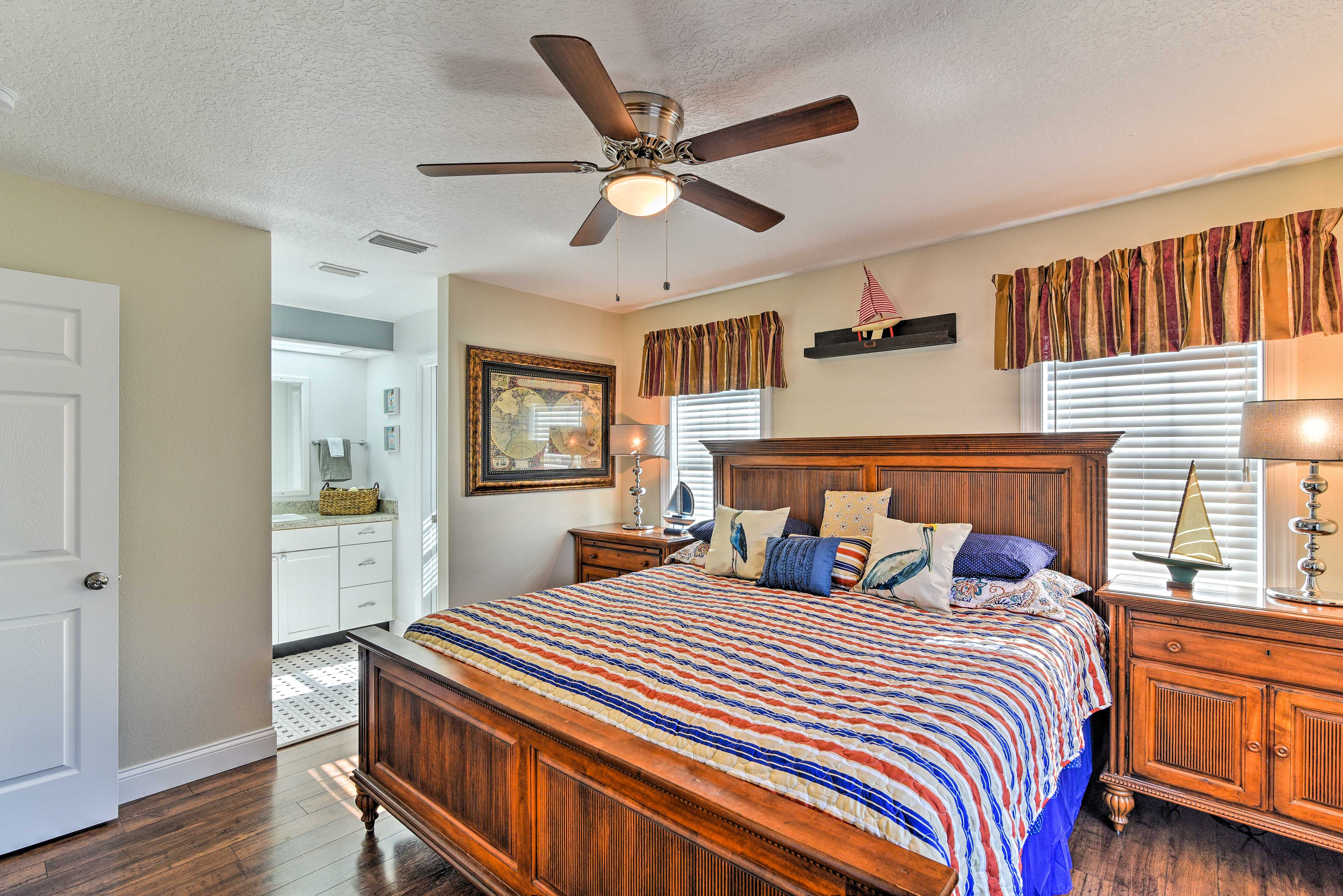 The master bedroom's luxury amenities give it a 5-star feel.