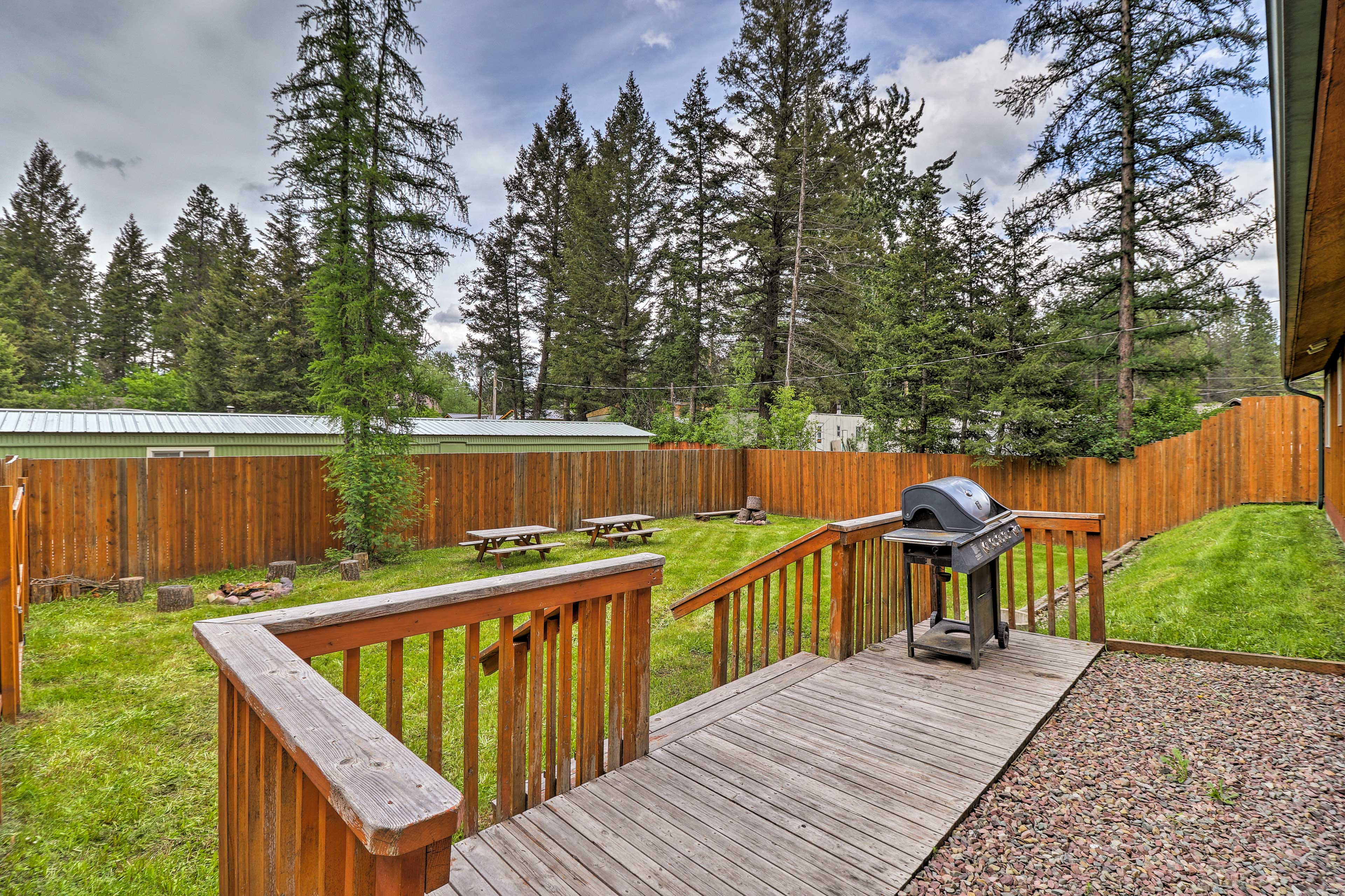 Enjoy afternoon barbecues while surrounded by nature!